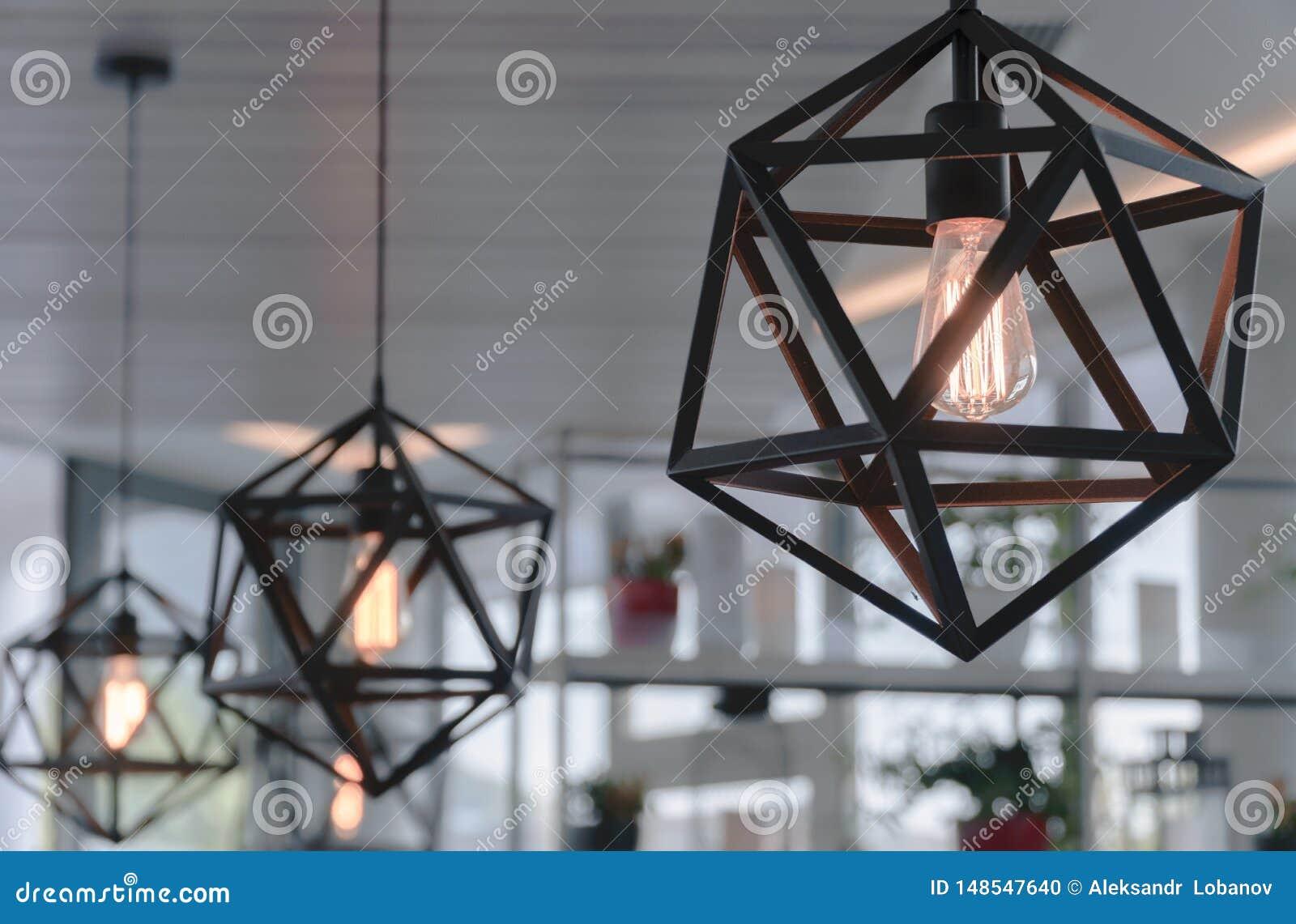 Lámpara de Brown en un café