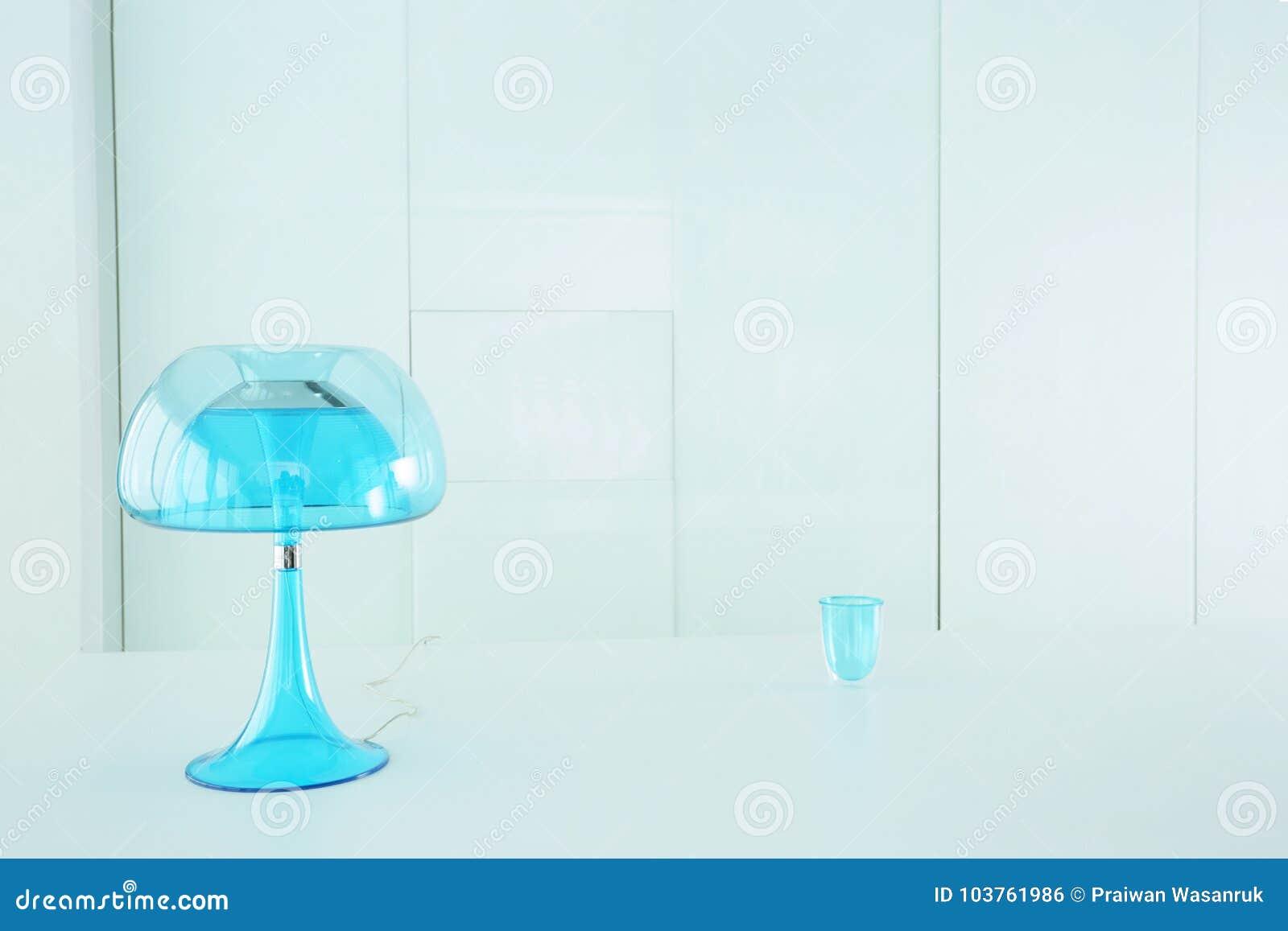 Lámpara del azul de la transparencia