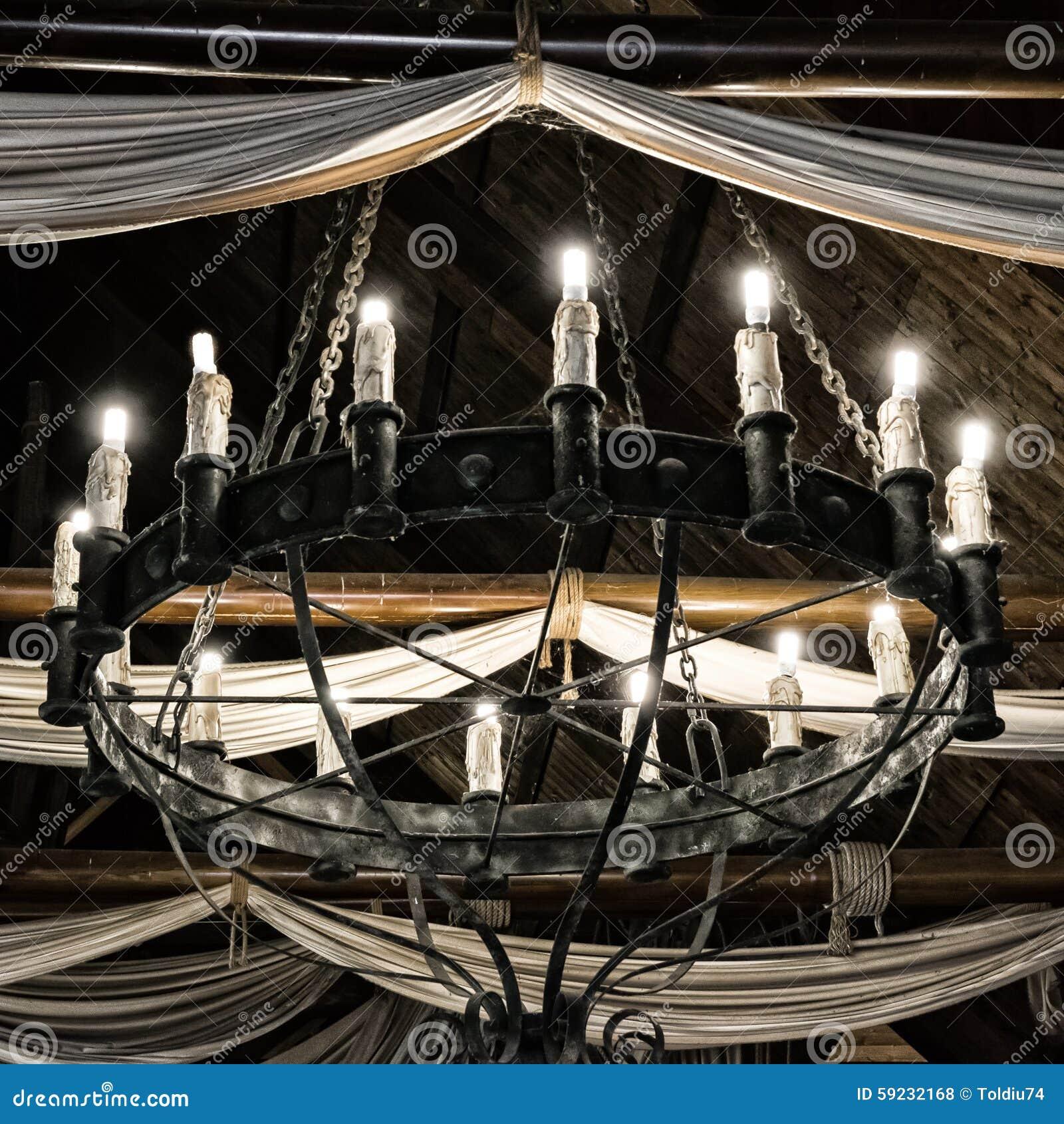 Download Lámpara del hierro redondo foto de archivo. Imagen de tela - 59232168