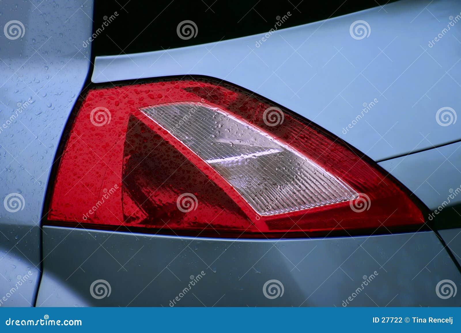 Download Lámpara Trasera De Renault Megane II Foto de archivo - Imagen de coche, mojado: 27722