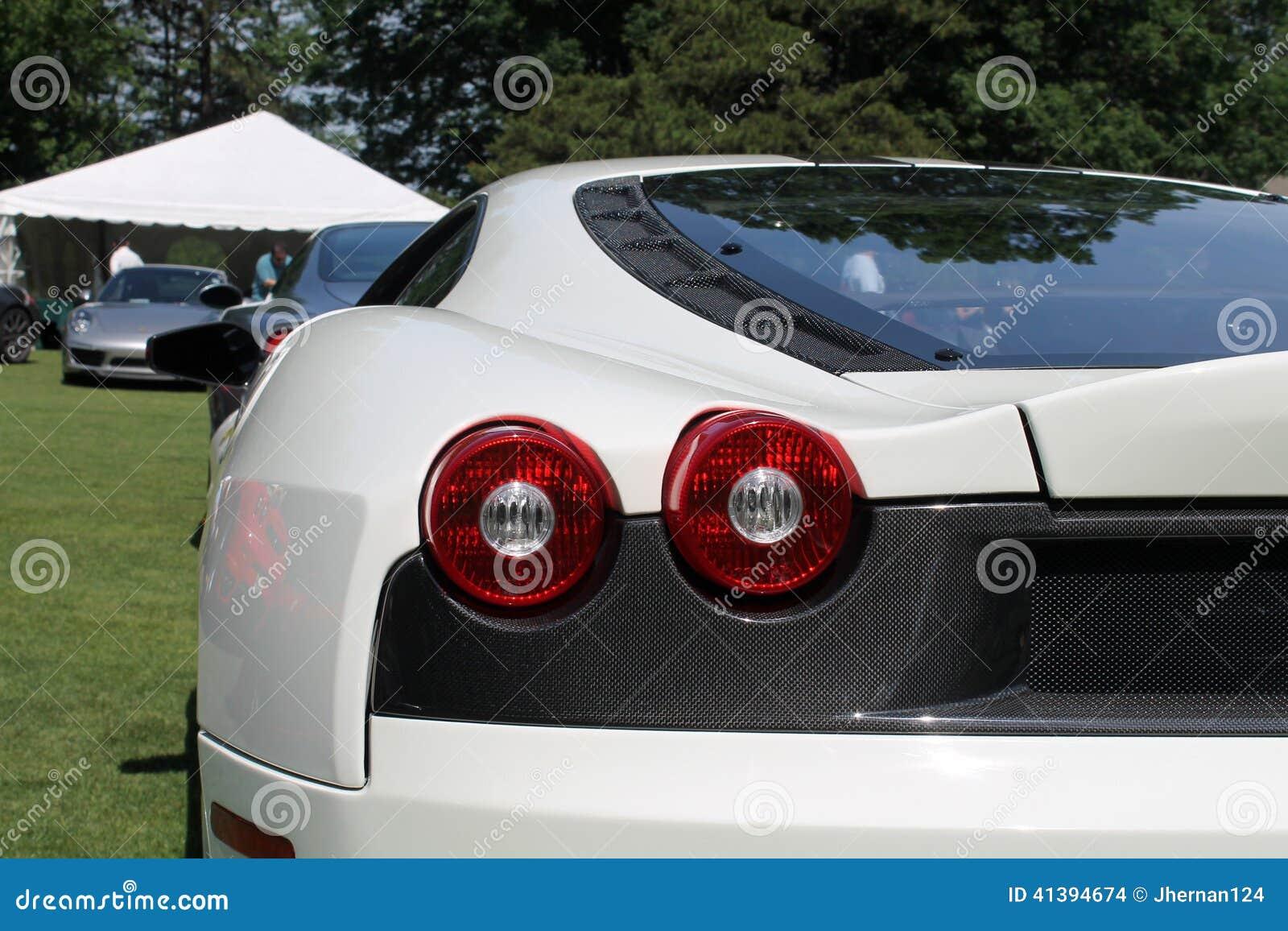 Lámparas de cola modernas del gemelo de Ferrari