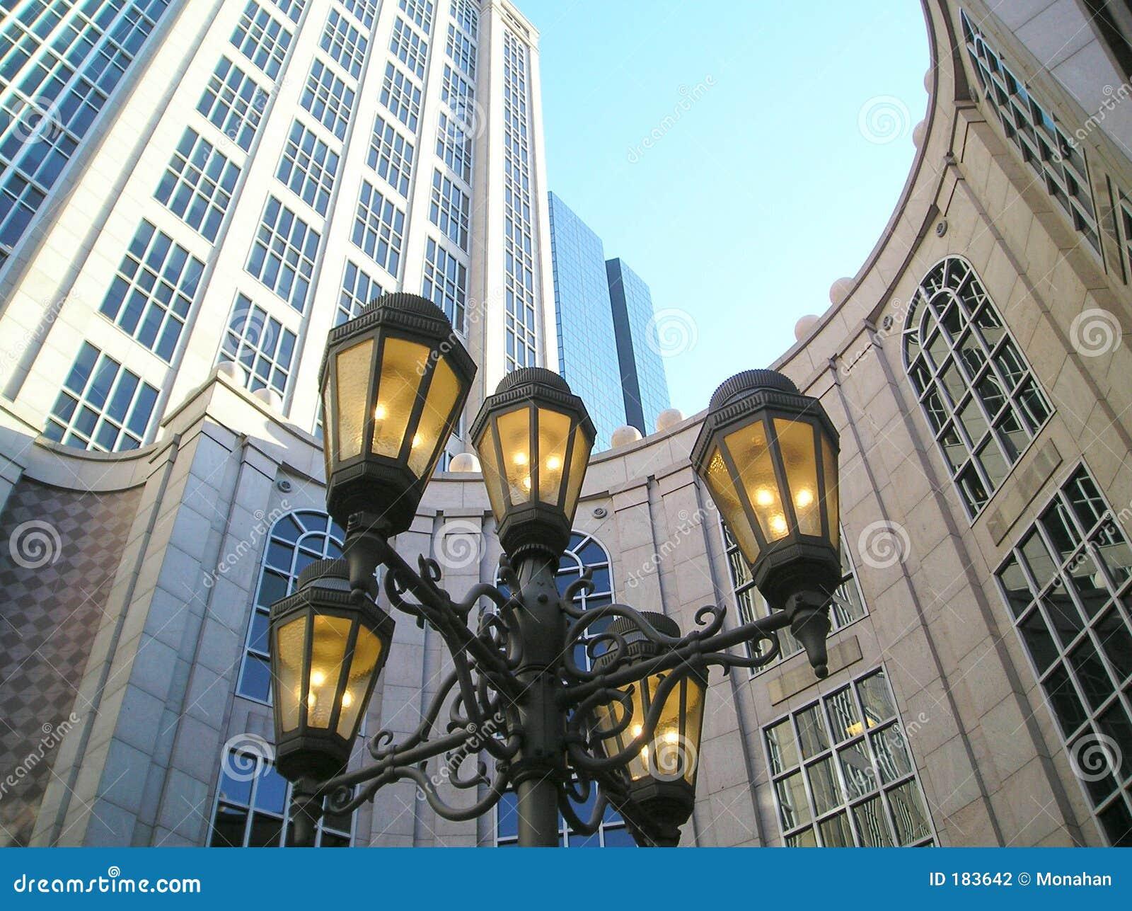 Lámparas del hierro céntricas