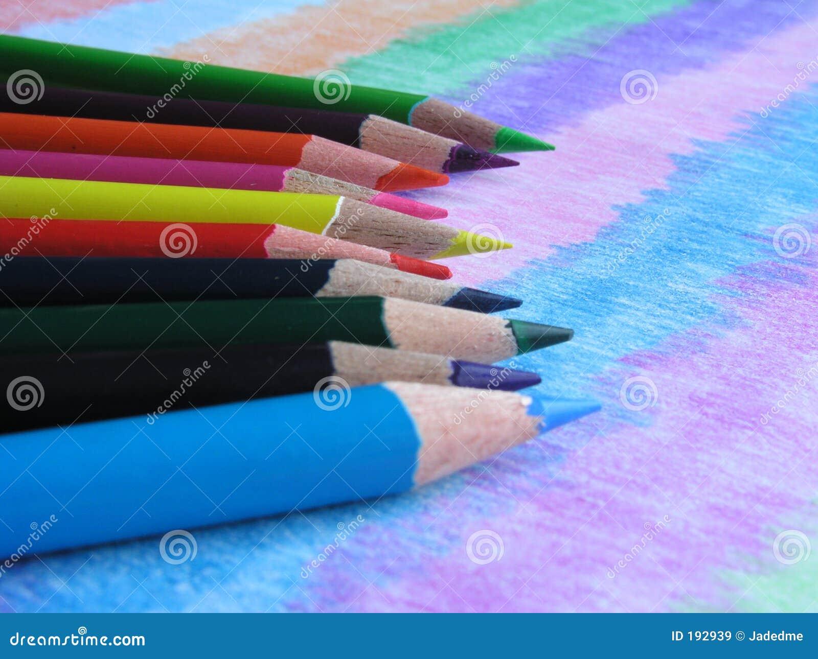 Lápices coloreados básicos de los colores IV