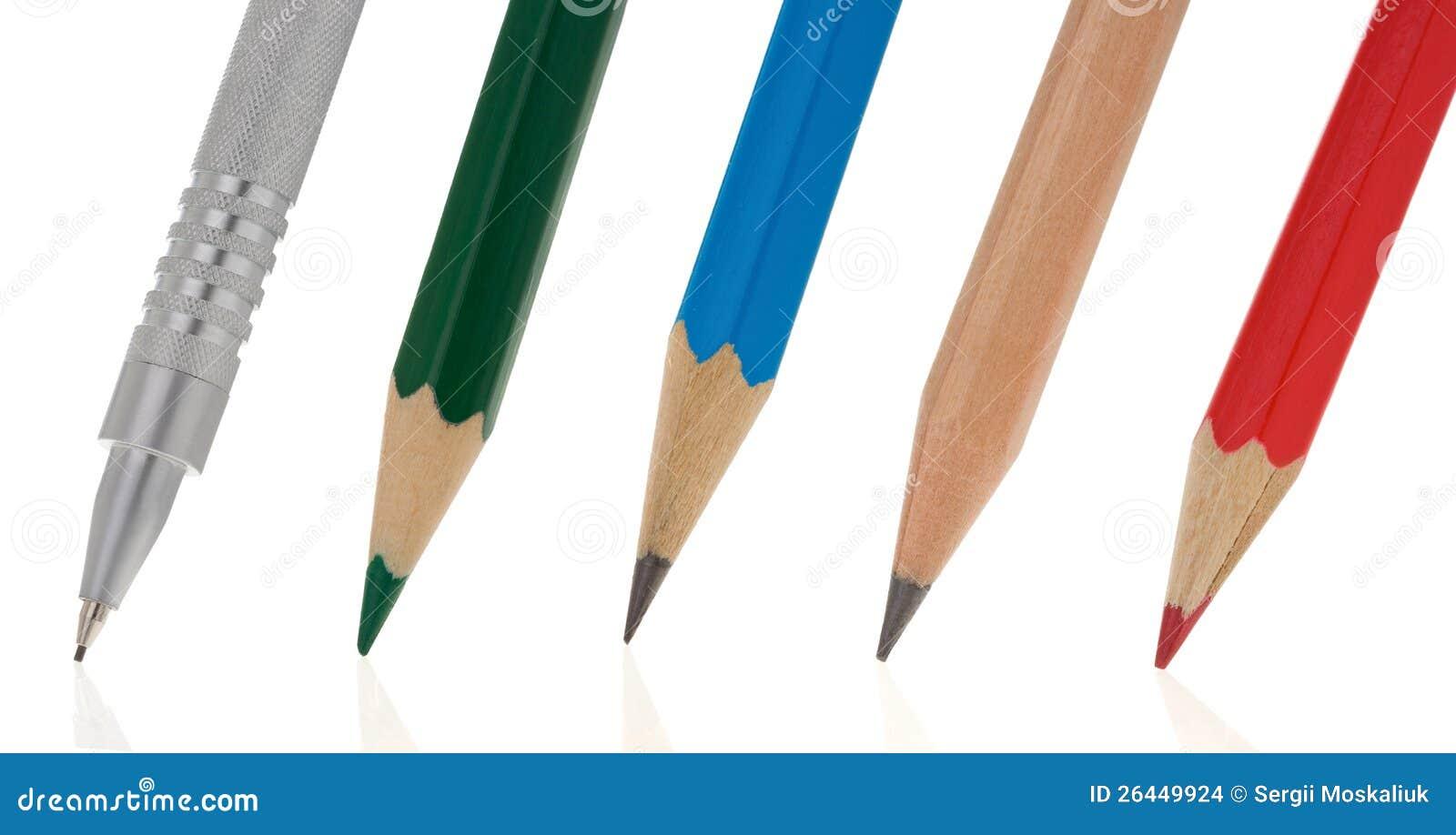 Lápices de la escritura aislados en blanco