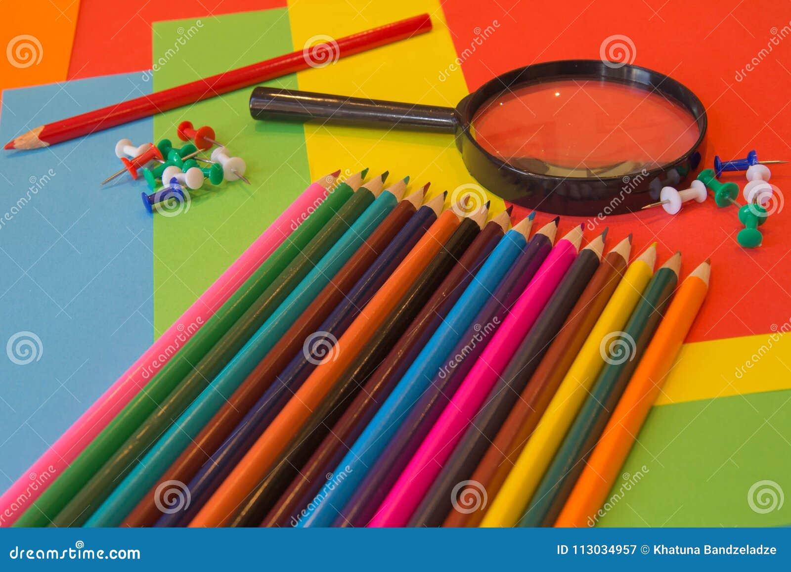 Lápices de los colores, coloridos muchos creyones variedad de color