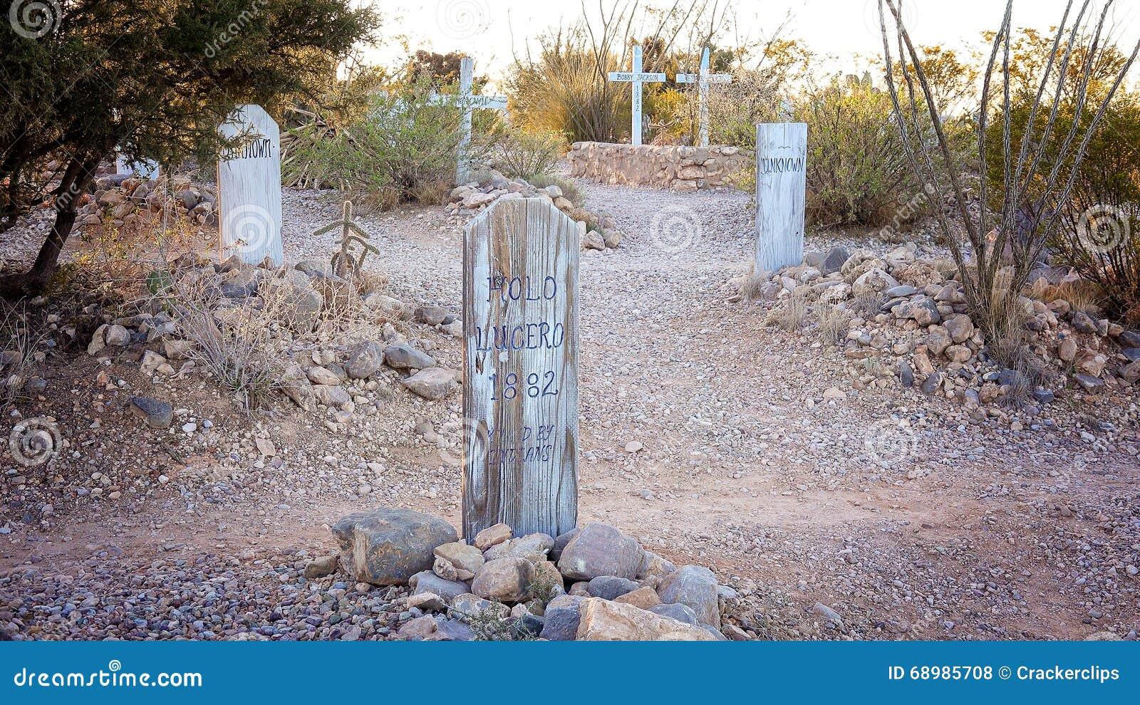 Lápida mortuoria en el cementerio histórico de la colina de la bota de la piedra sepulcral
