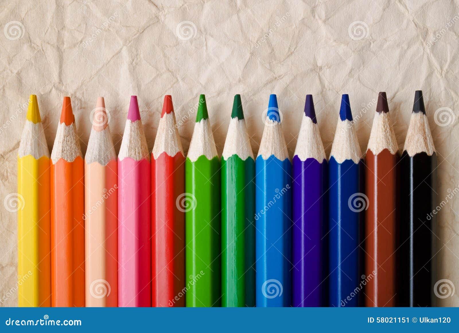 Lápiz del color en blanco
