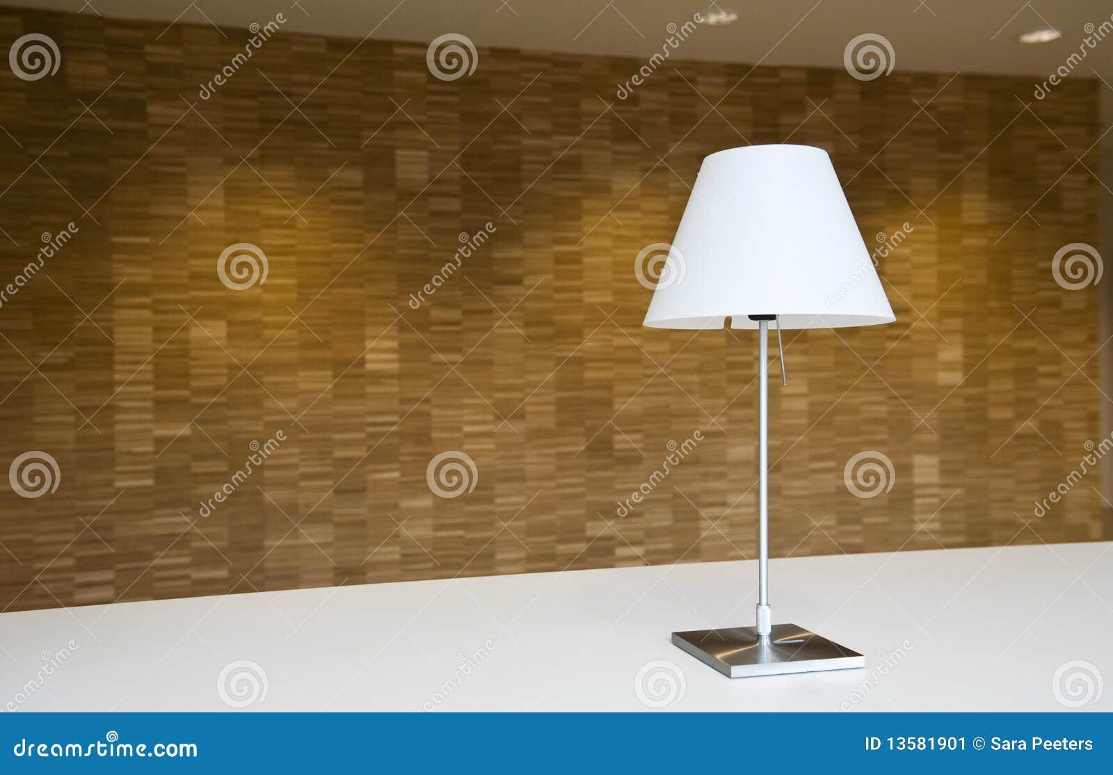 Lâmpada & parede