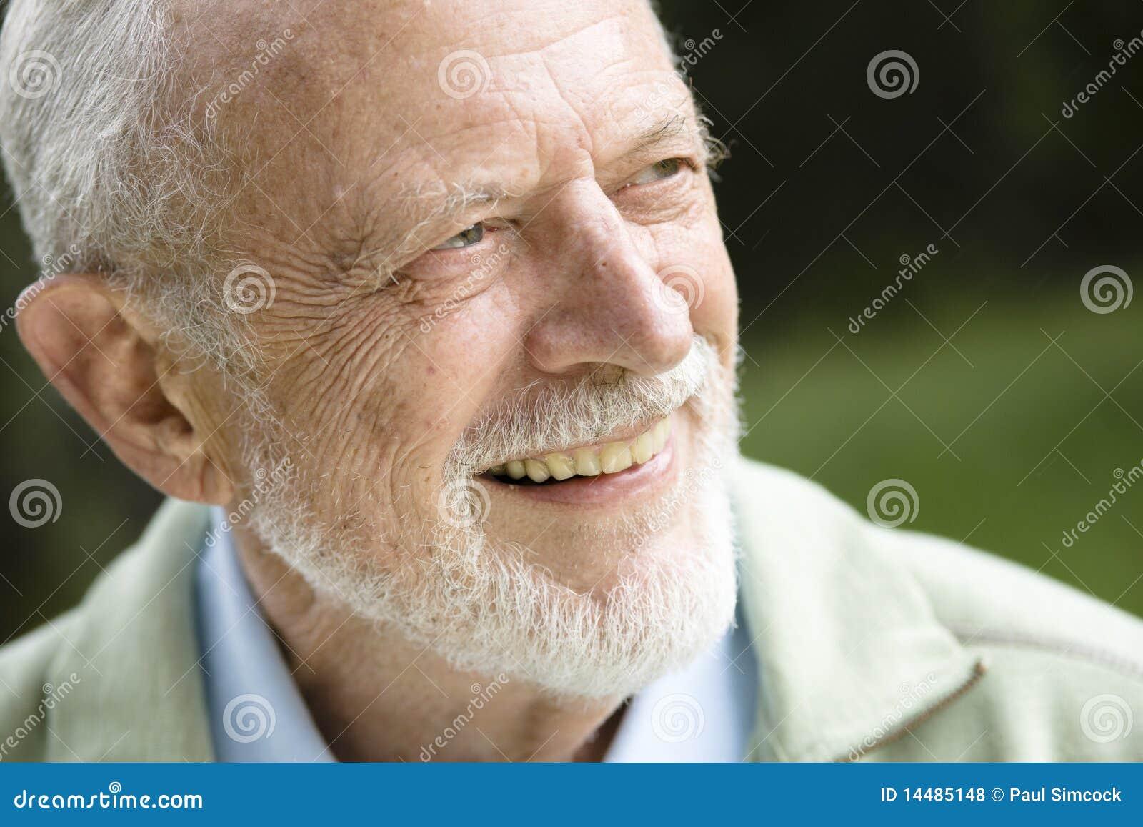Lächelnder alter Mann