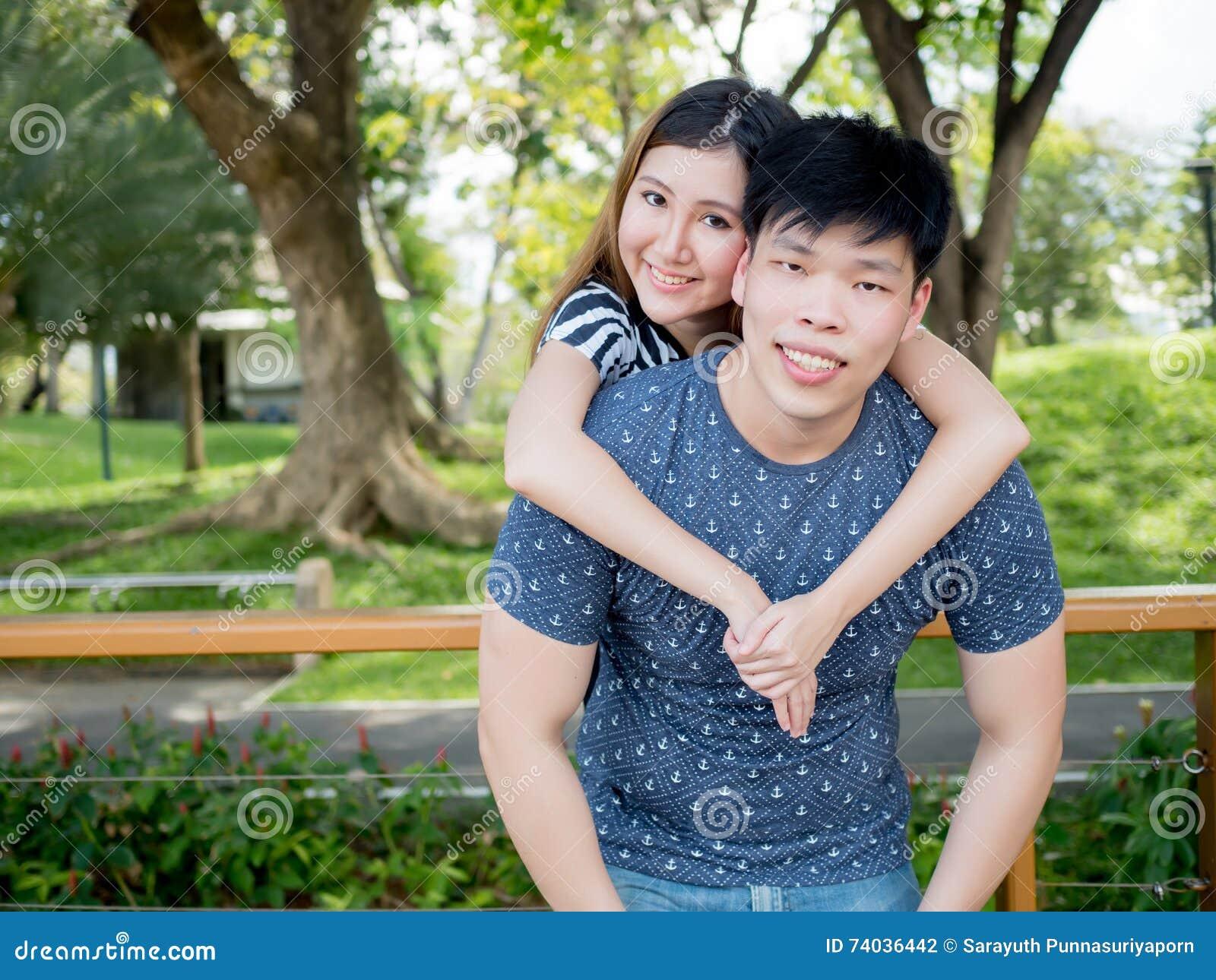 Asiatische Jungs datieren Probleme