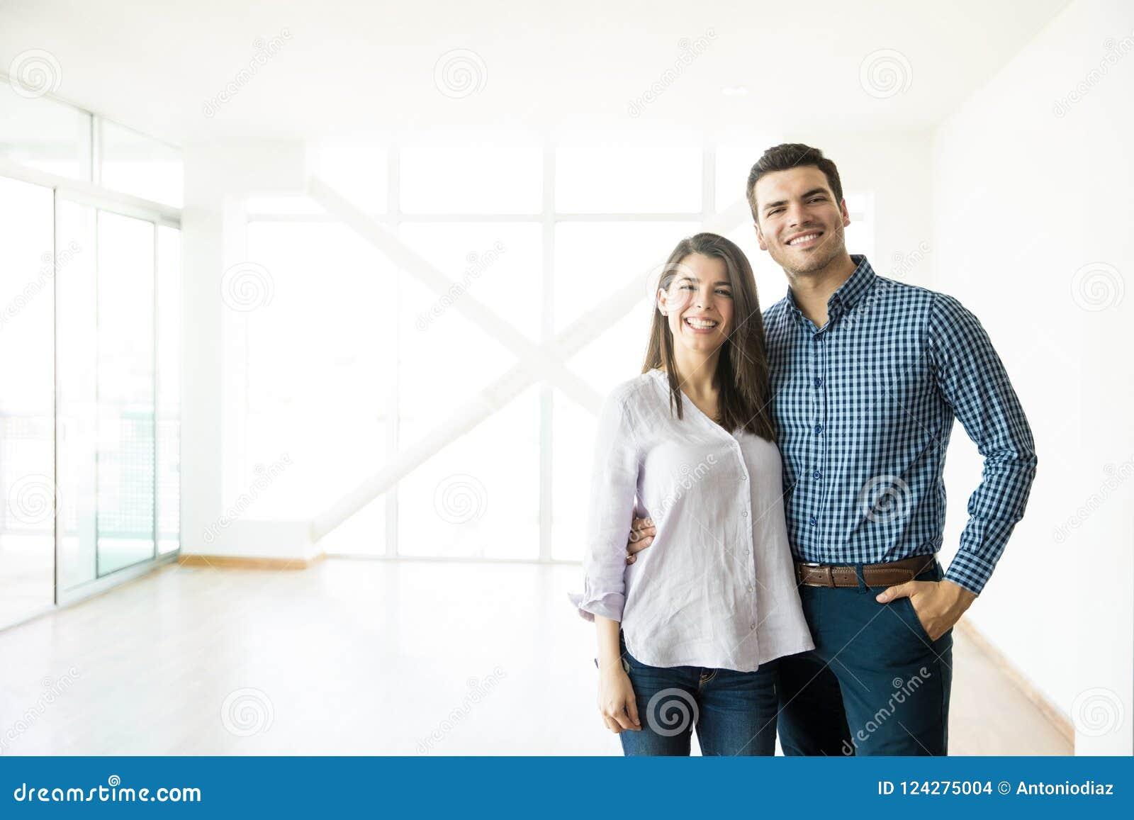 Stehender Fick Von Fremdgehendem Paar