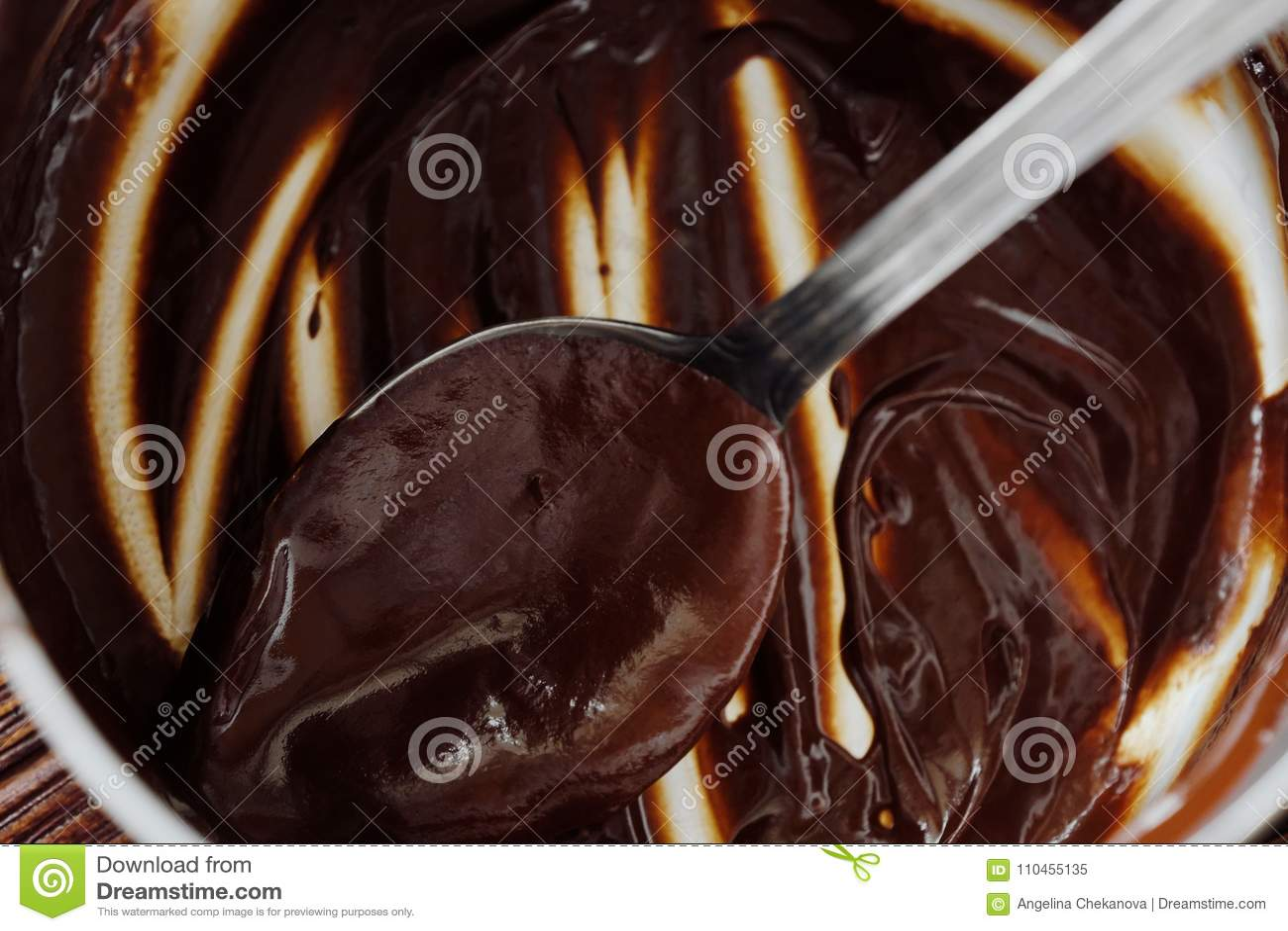 Läcker tjock varm choklad - brun färg