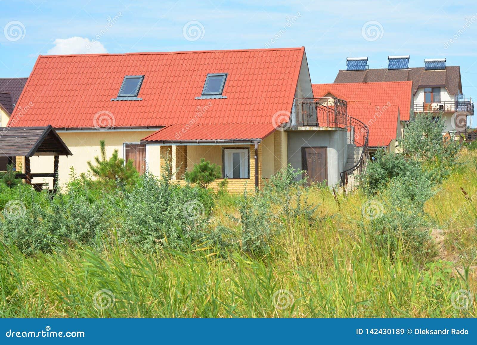 Modernes Haus Mit Rotem Dach Archivbilder Abgabe Des