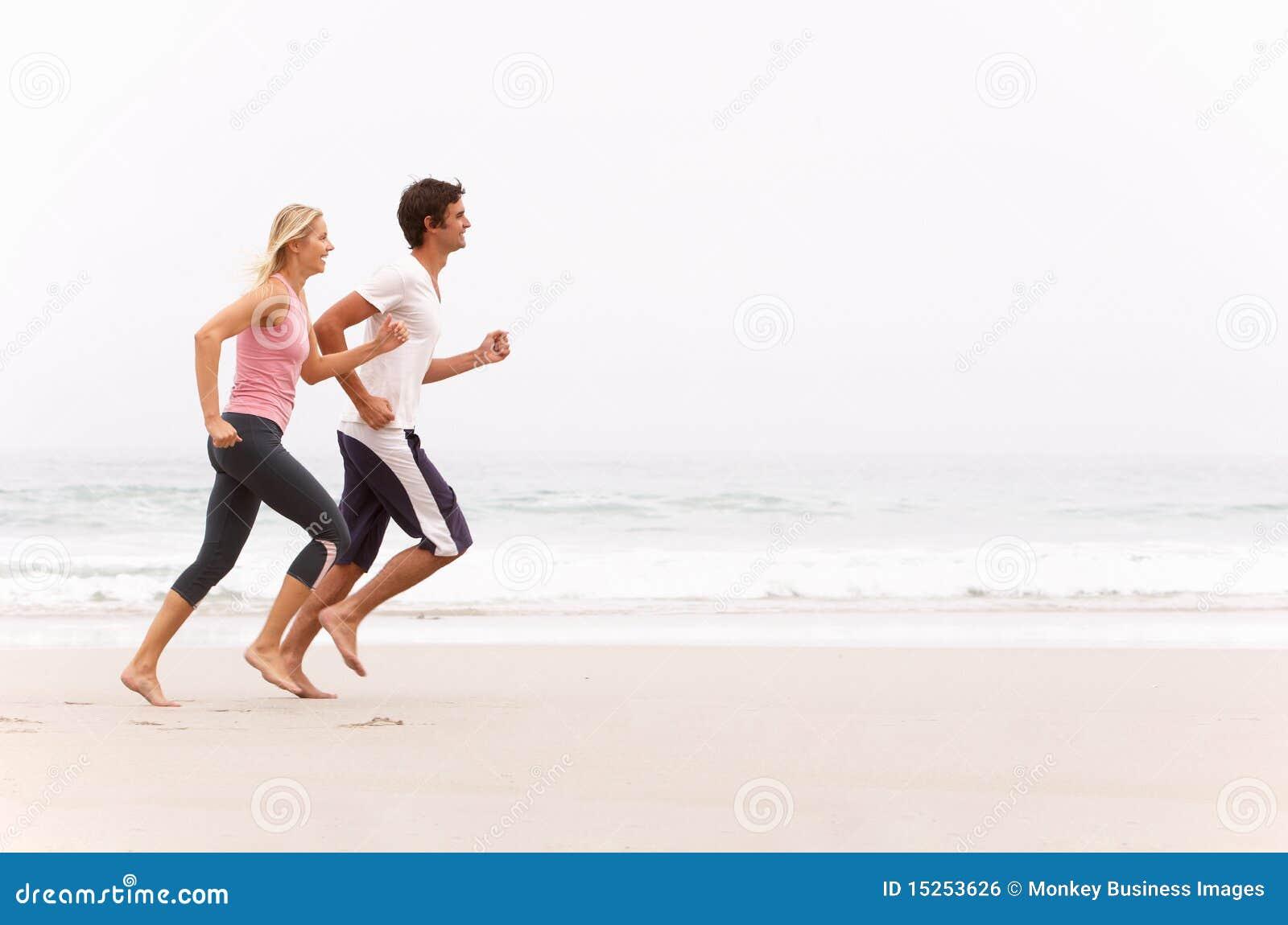 Längs barn för vinter för strandparrunning