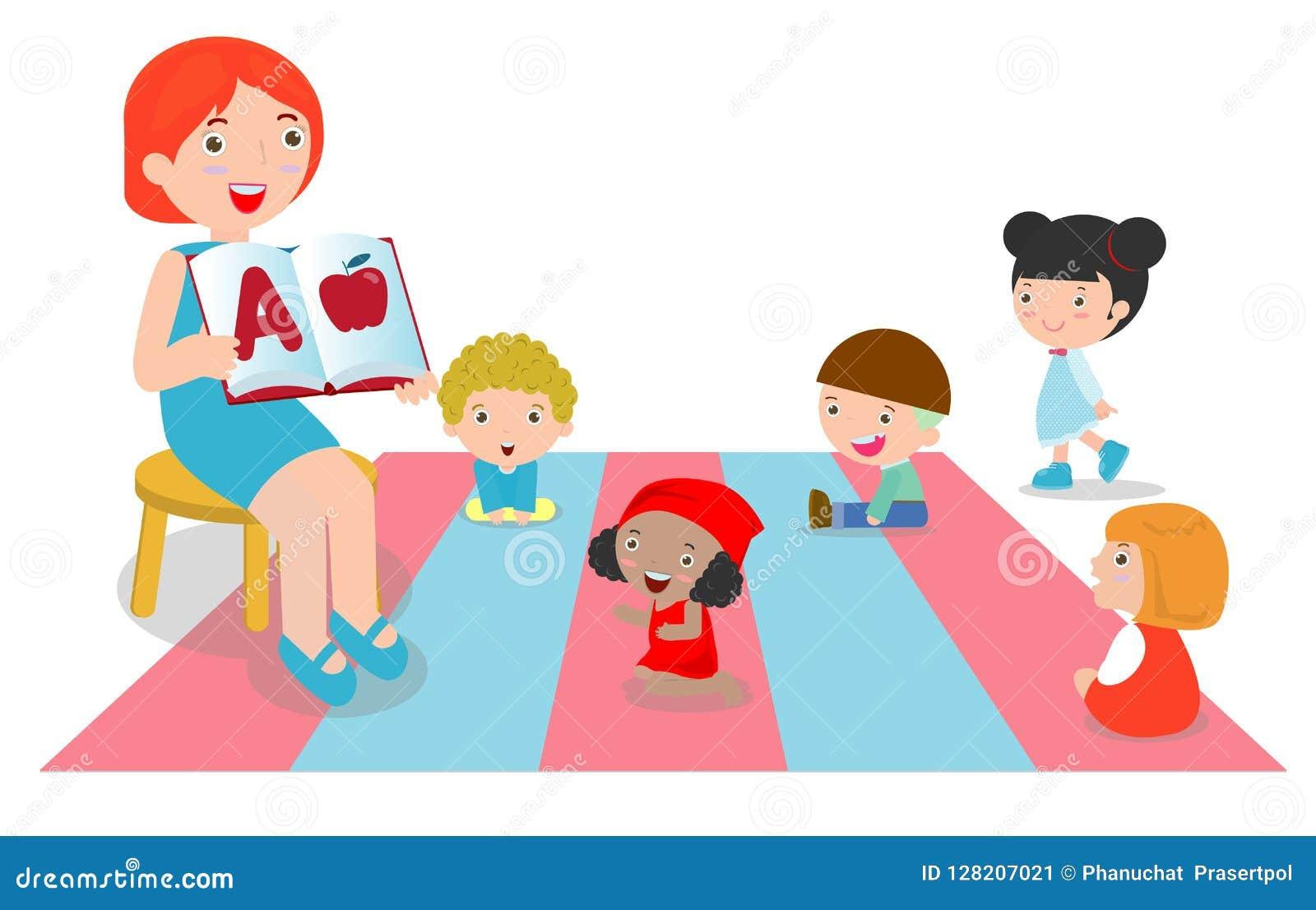 Lärare som förklarar alfabet till barn runt om henne, lärareläseböcker för ungar i dagiset