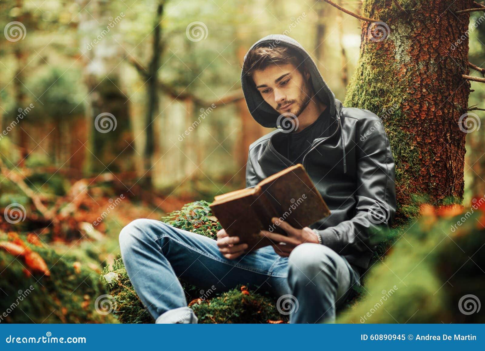 Läsa i natur