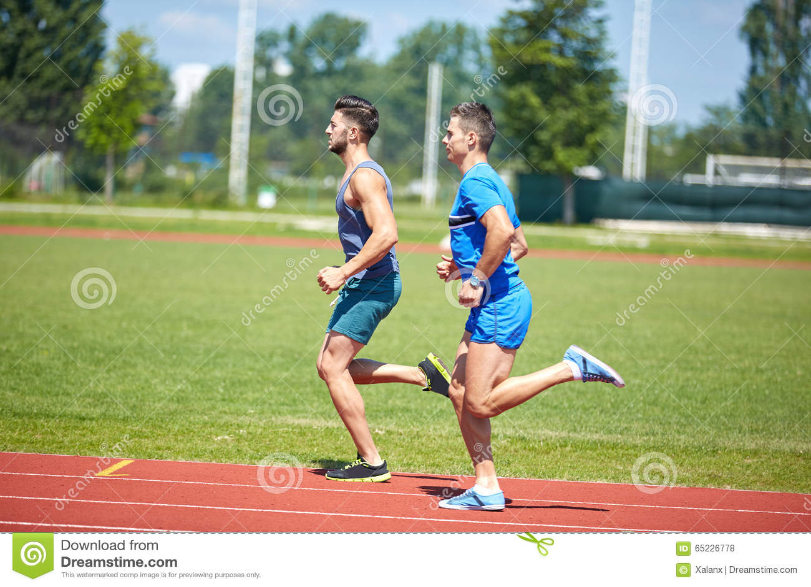 Läufer auf Bahn