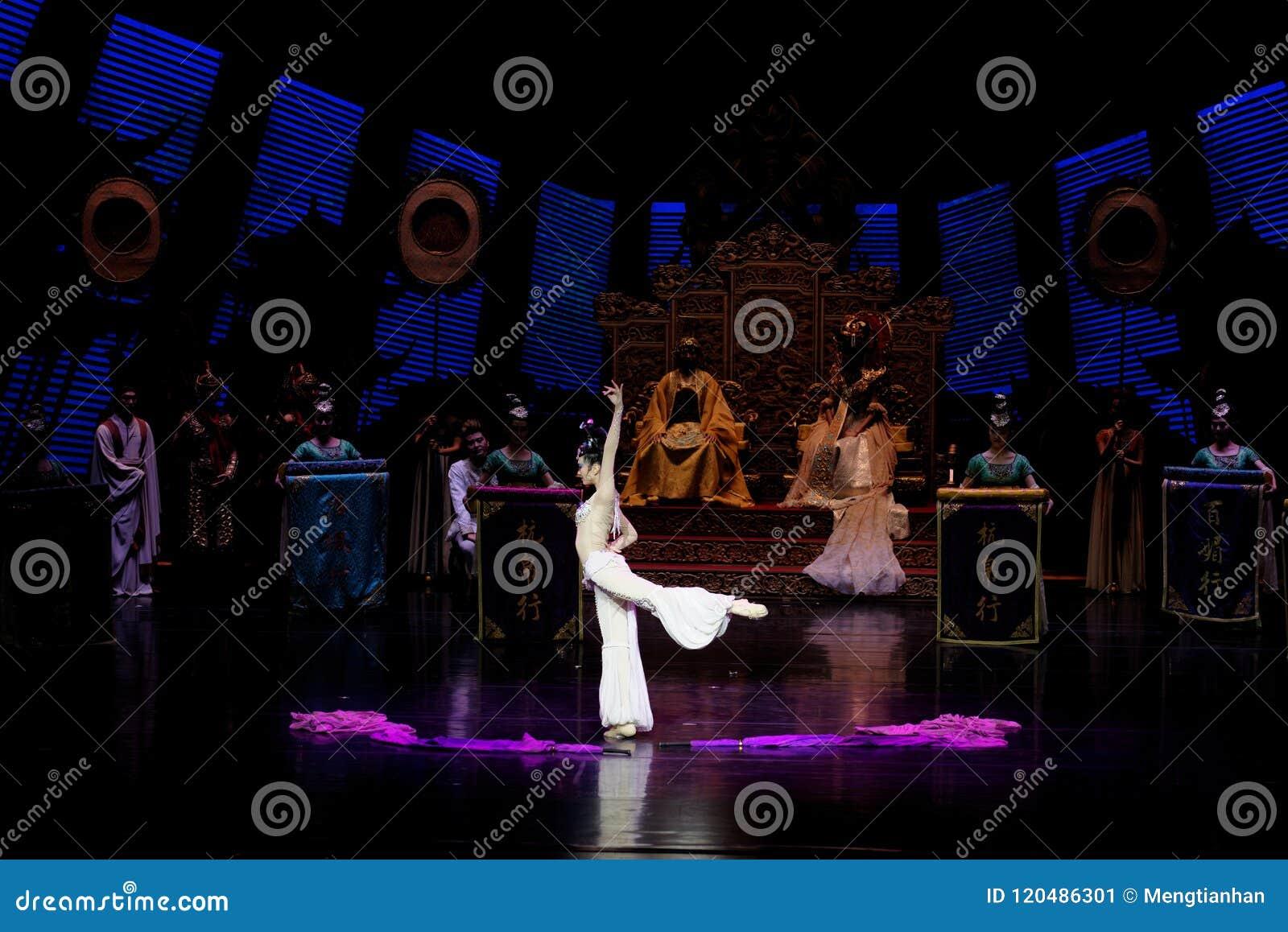 Lång muff handling för domstoldans 2-The i andra hand: en festmåltid i `en för prinsessa för ` för slott-epos dansdrama den siden