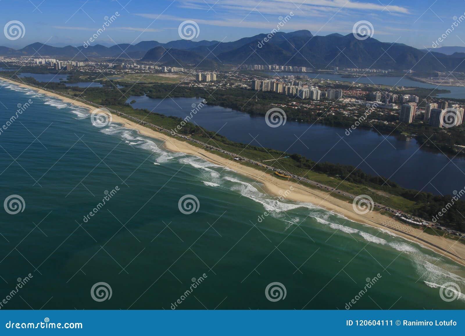 Långa och underbara stränder, strand för Recreio DOS Bandeirantes, Rio de Janeiro Brazil