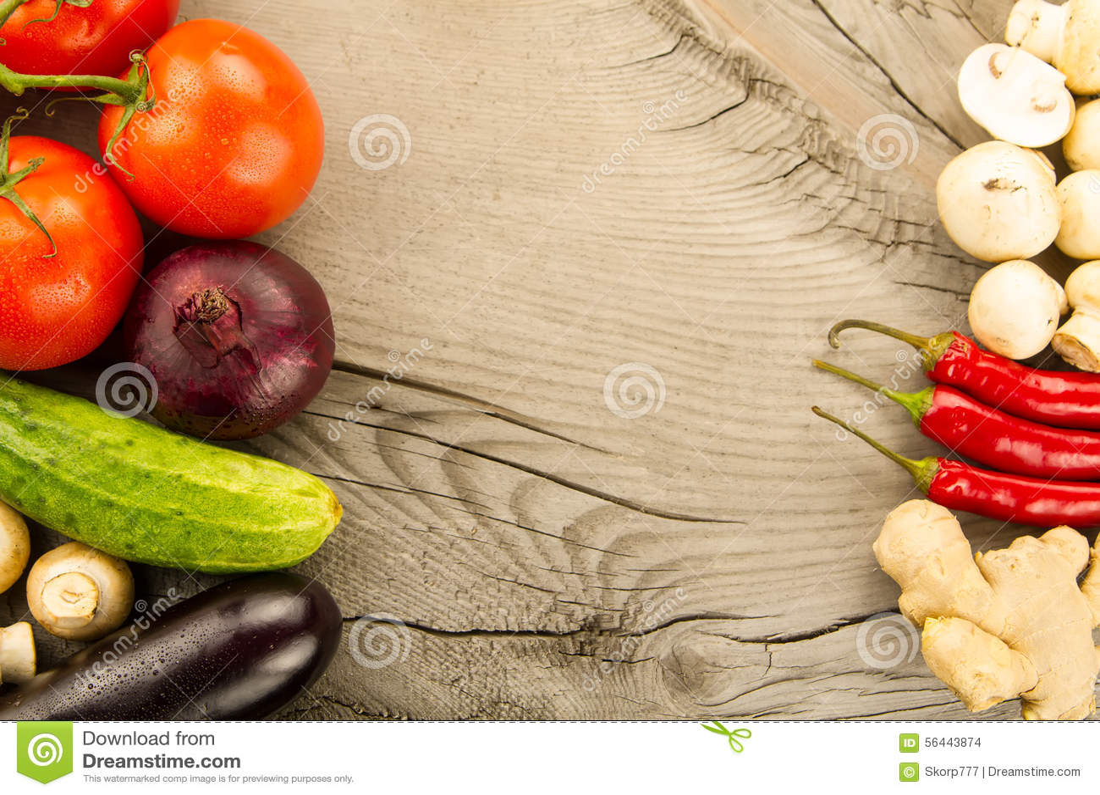Légumes frais mûrs sur le fond en bois L icône pour la consommation saine, régimes