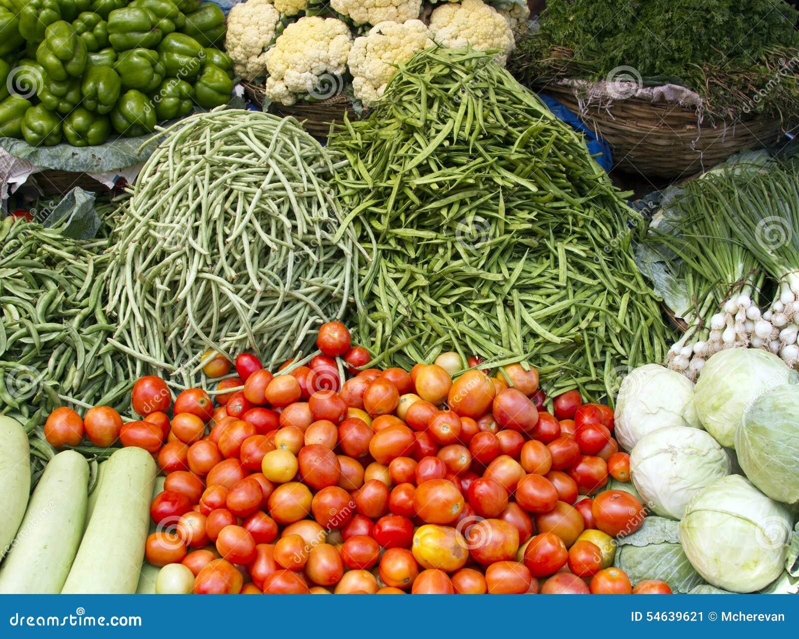 Légumes juteux frais sur le compteur dans l Inde Goa