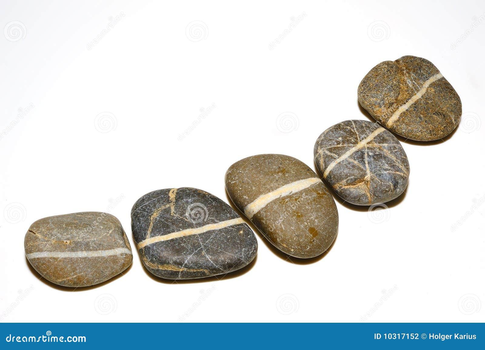 Línea en piedras