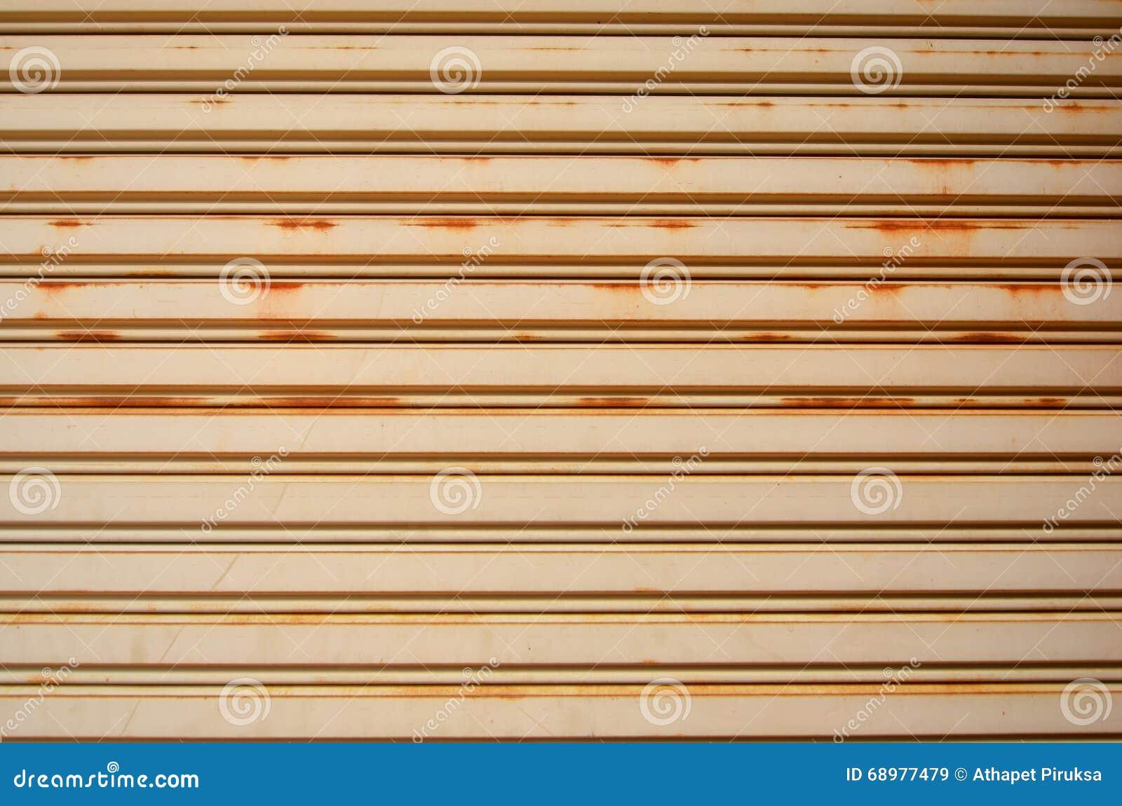 Línea modelo de hoja de la puerta del rollo