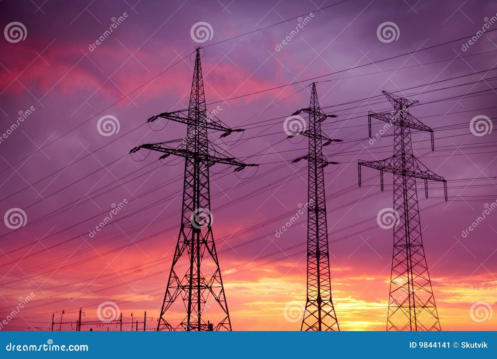 Líneas eléctricas de alto voltaje