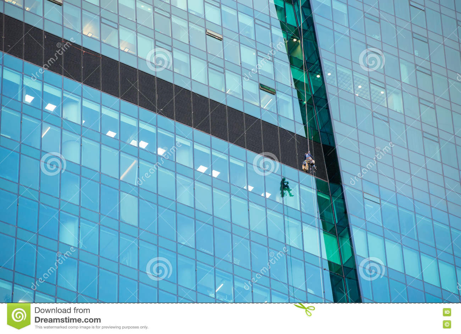 Líquidos de limpeza de janela no trabalho