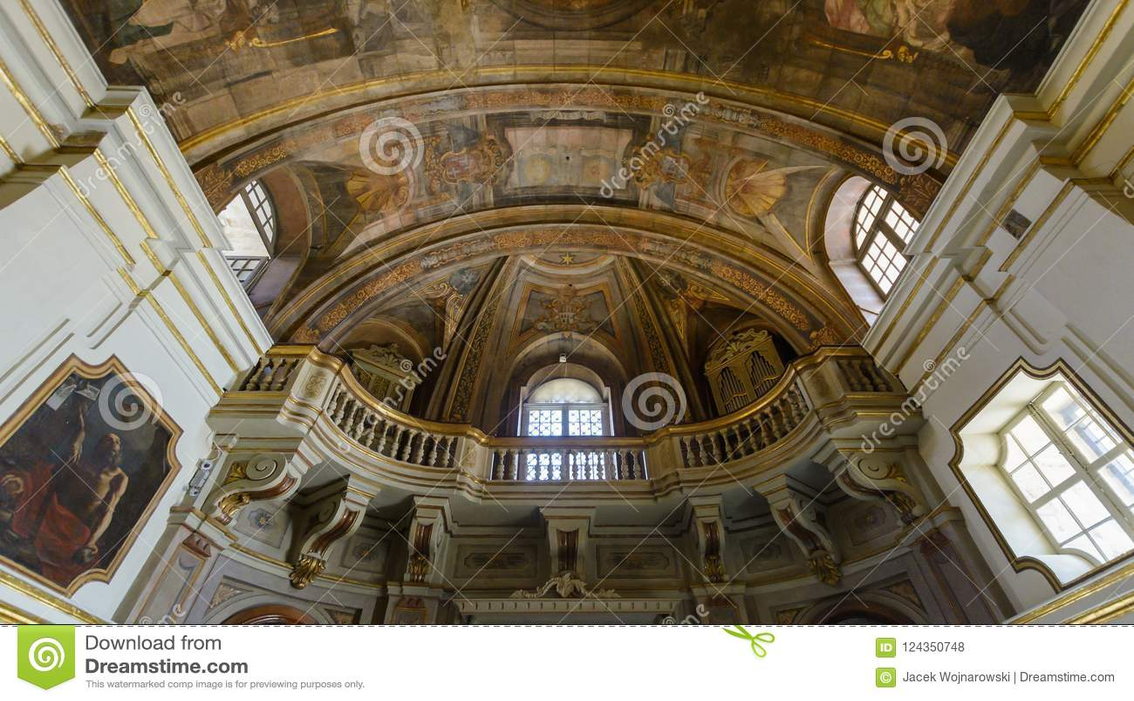 Léglise De Notre Madame De Victoire Peinture Et Balcon De Plafond