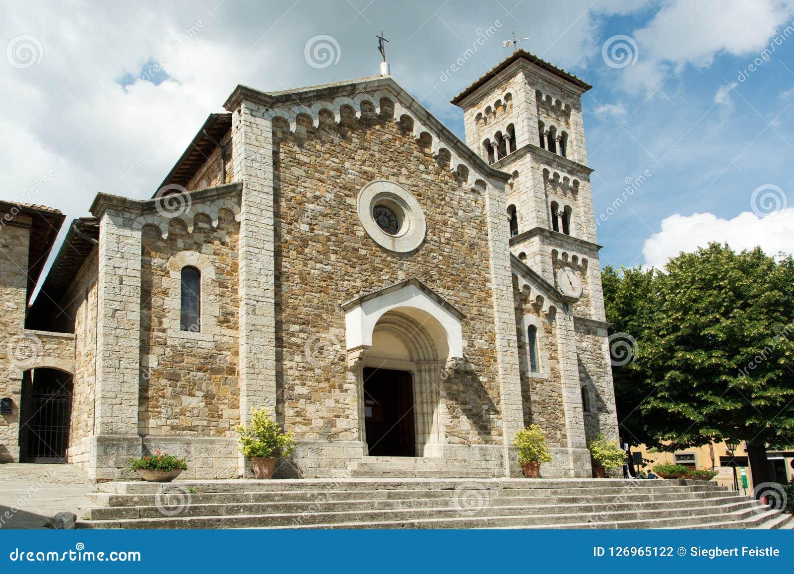 L église du castellina dans le chianti italien dedans