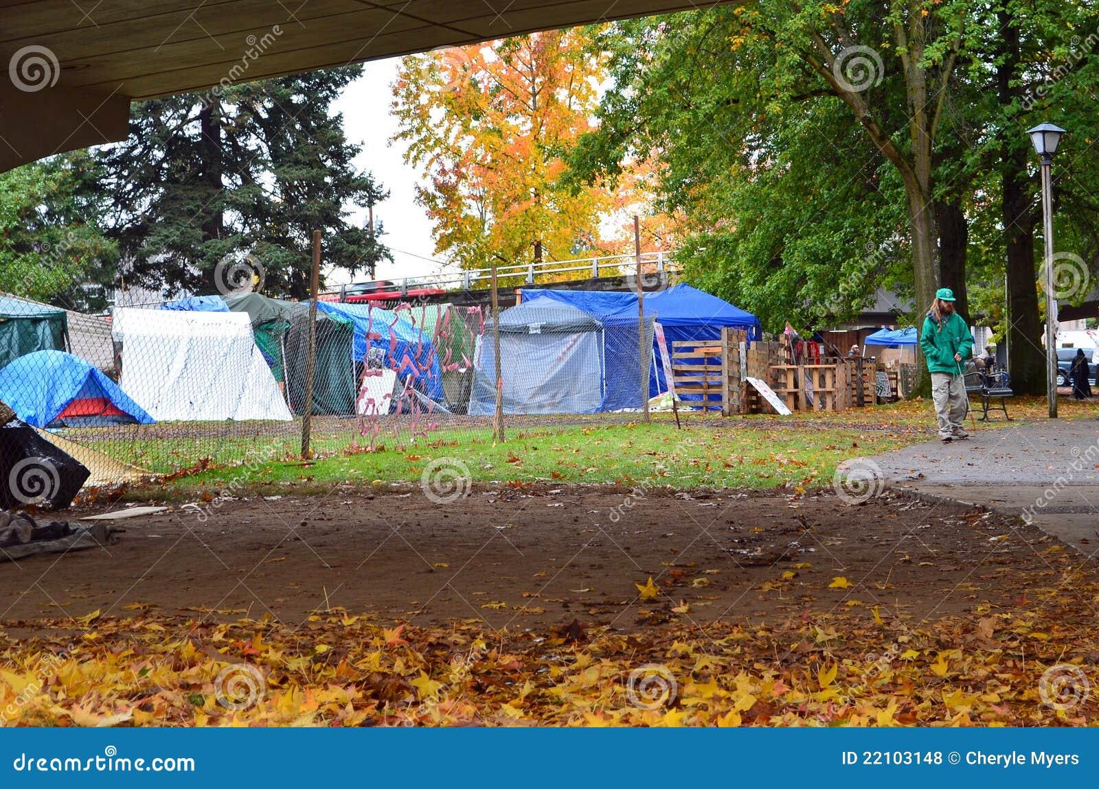 L accampamento della tenda a occupa Eugene