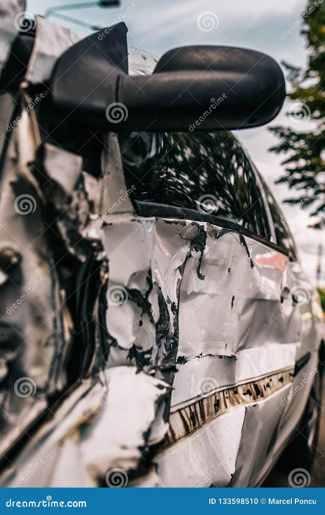 L accident d accident de voiture a endommagé Fond