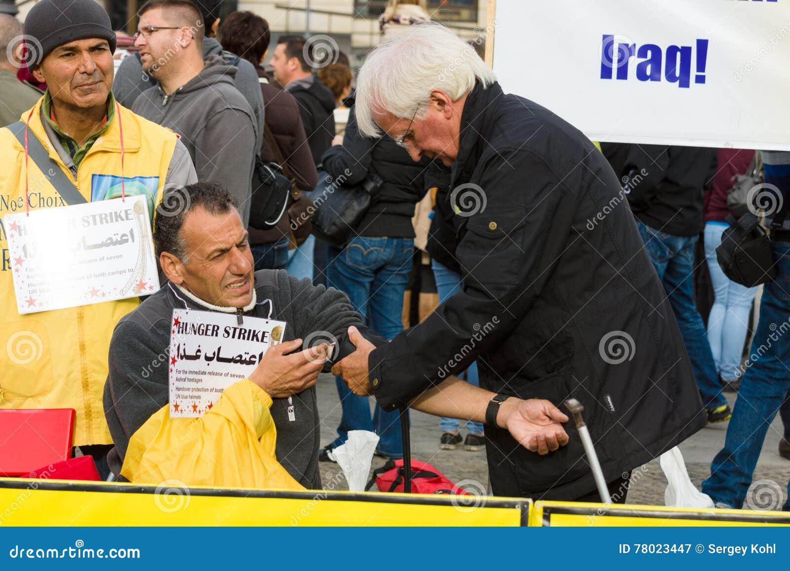 L action ( ; faim strike) ; Dissidents iraniens