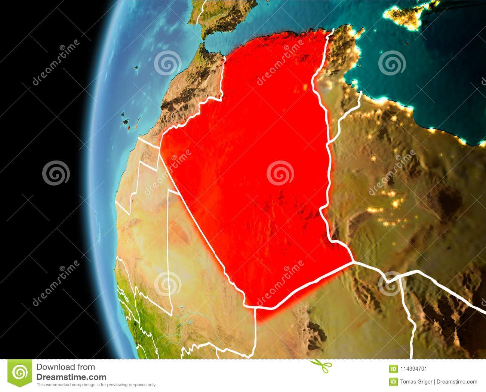 L Algeria da spazio nella sera