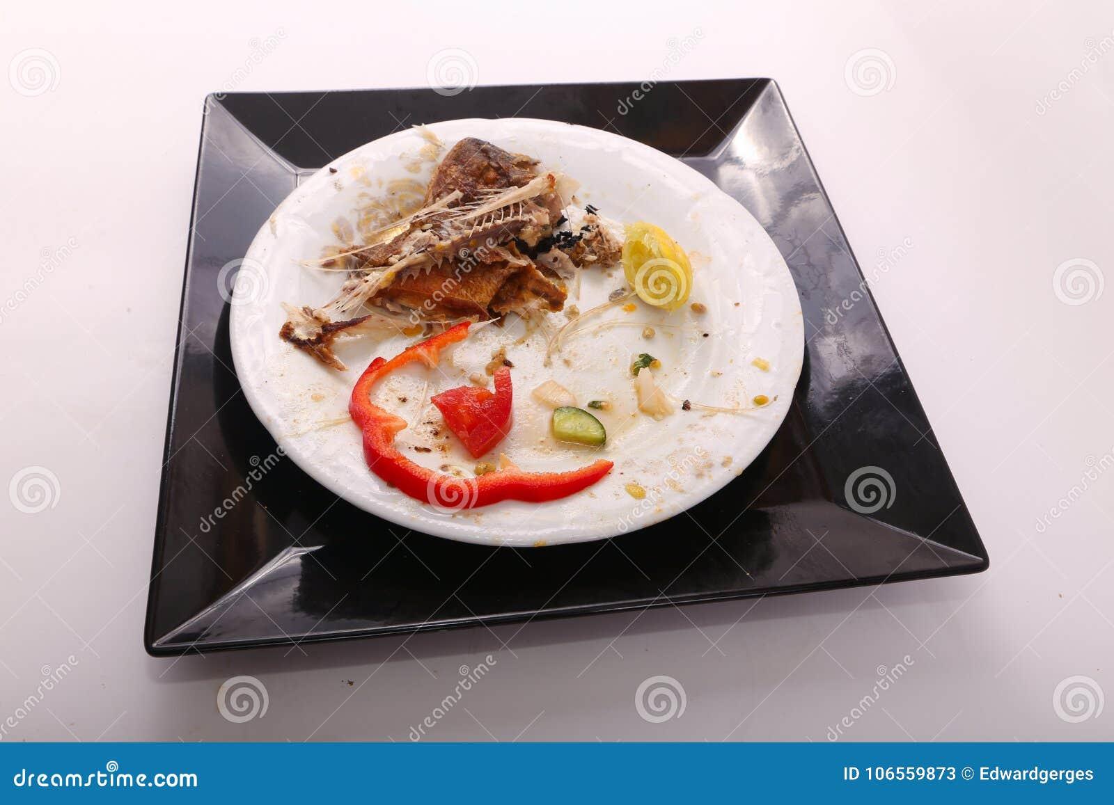 L alimento rimanente sul posto dopo mangia