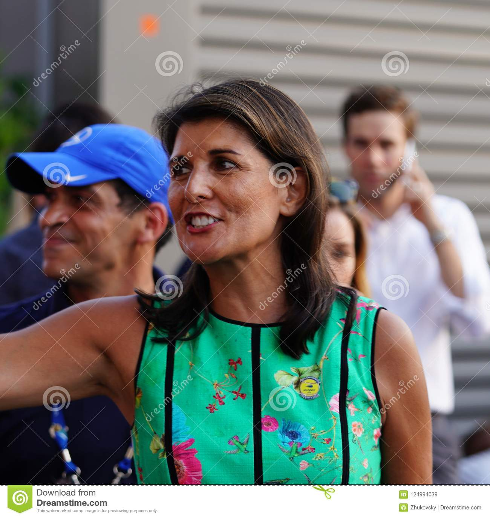 L ambassadeur des Etats-Unis aux Nations Unies Nikki Haley assiste à la session 2018 de jour d US Open au centre national de tenn