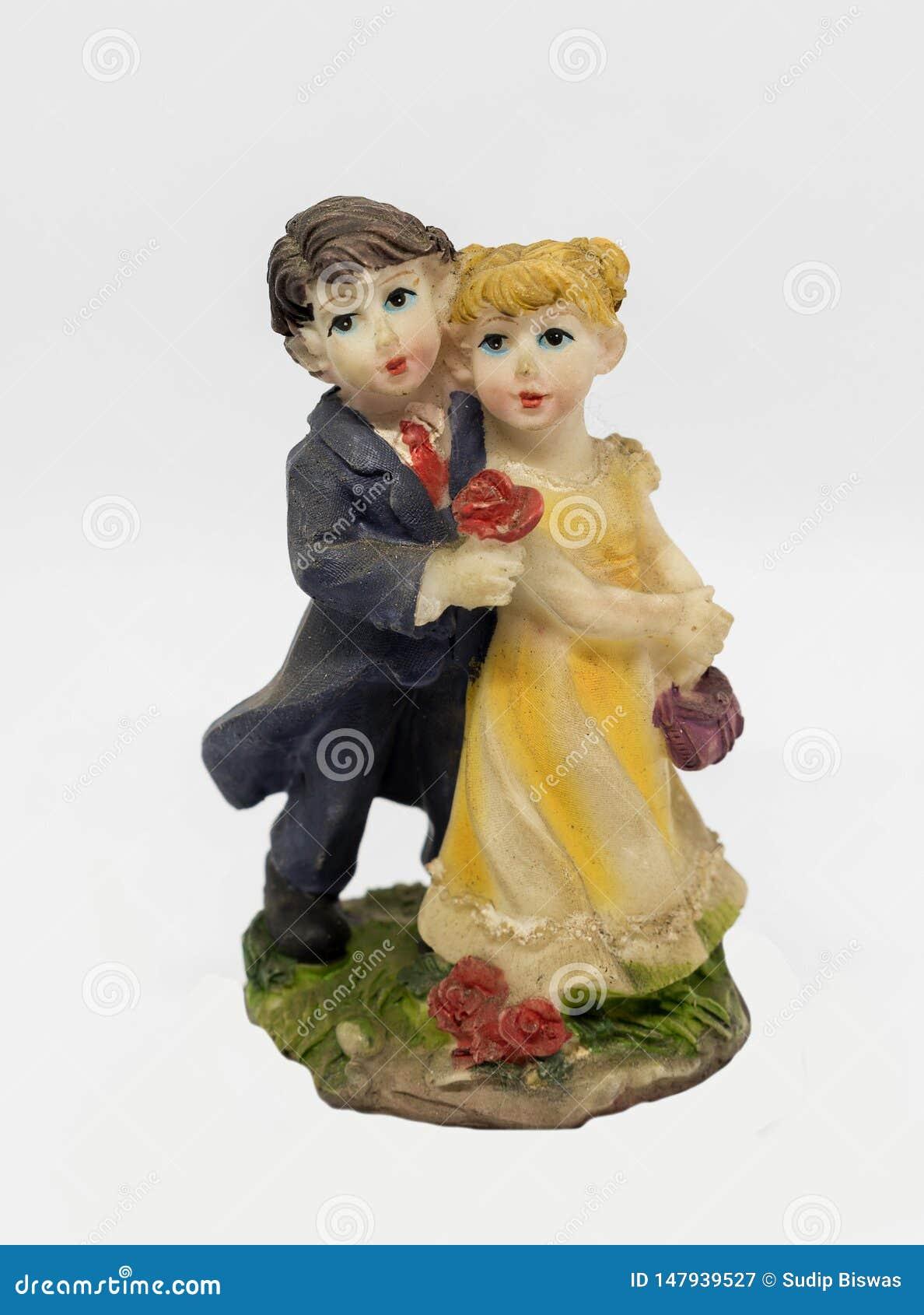 L amour de danse romantique mignon couplent l oeuvre d idole de statue