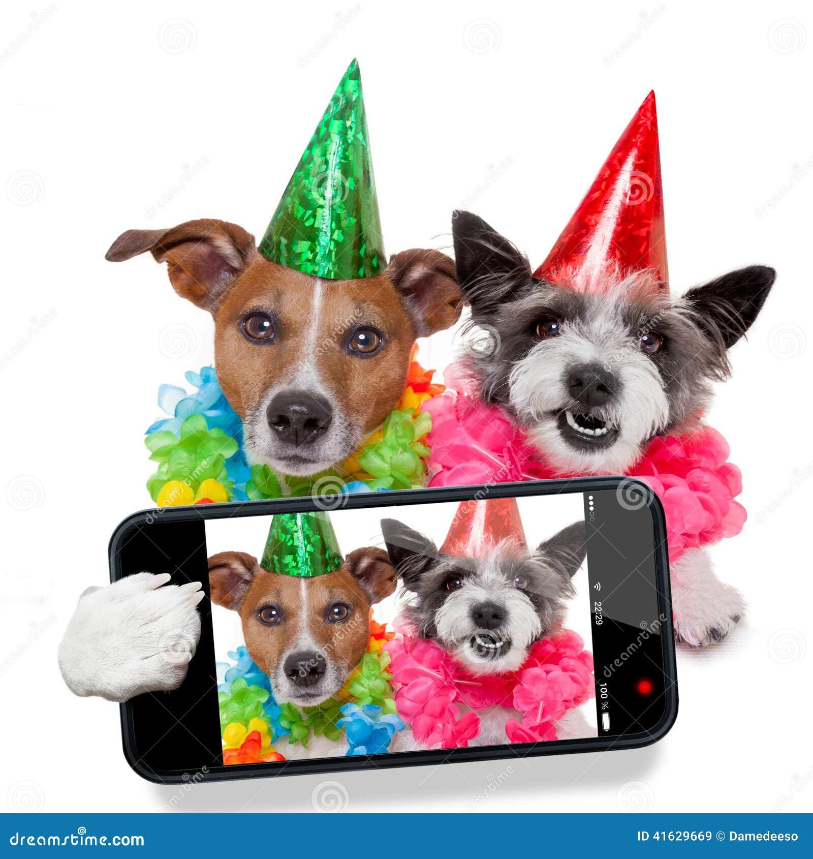 L anniversaire poursuit le selfie