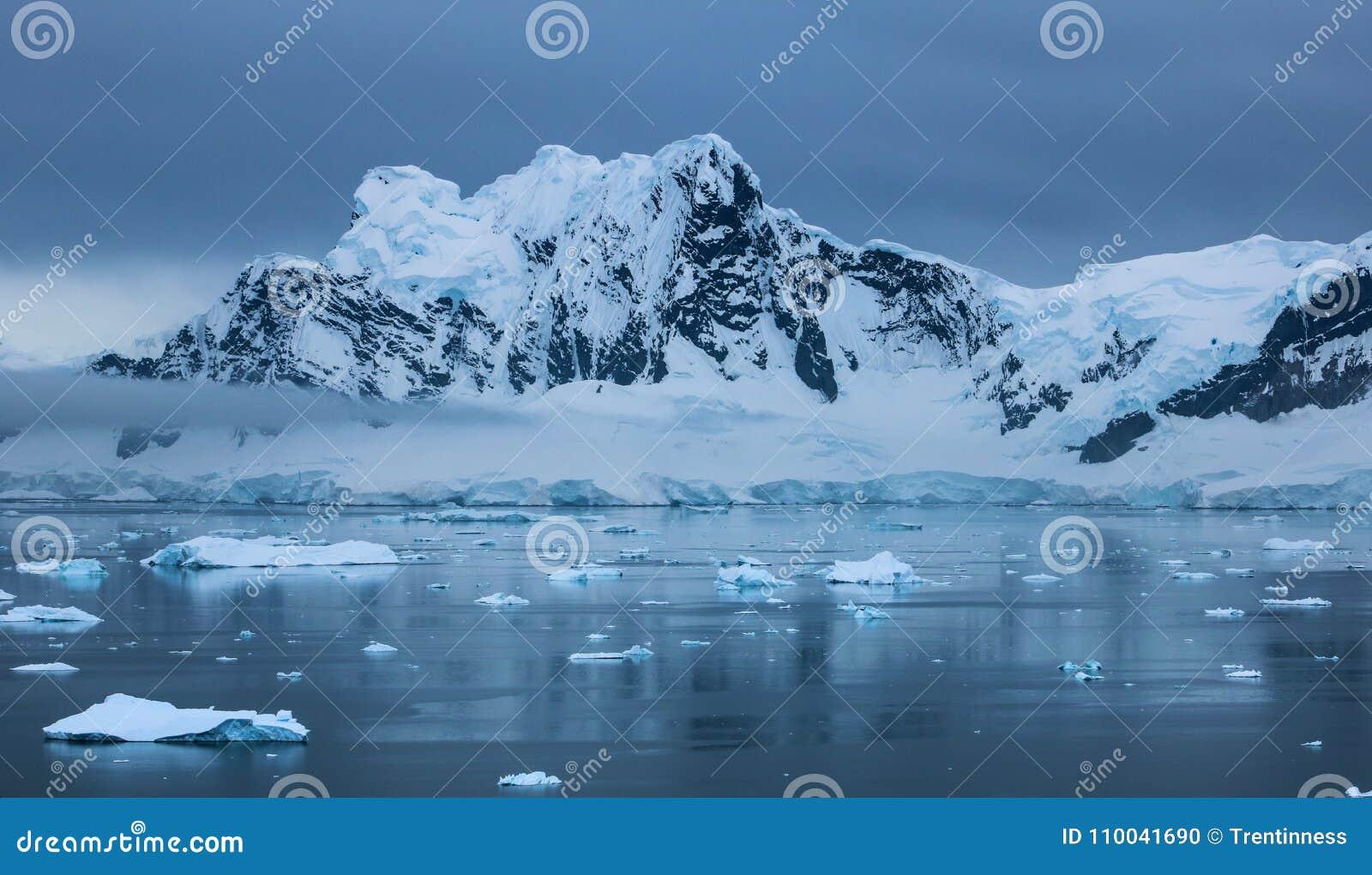 L Antarctique en hiver