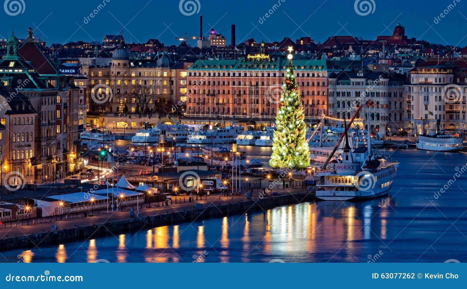 Download L'arbre De Noël Le Plus Grand, Vieille Ville, Stockholm, Suède Photographie éditorial - Image du lumière, monde: 63077262