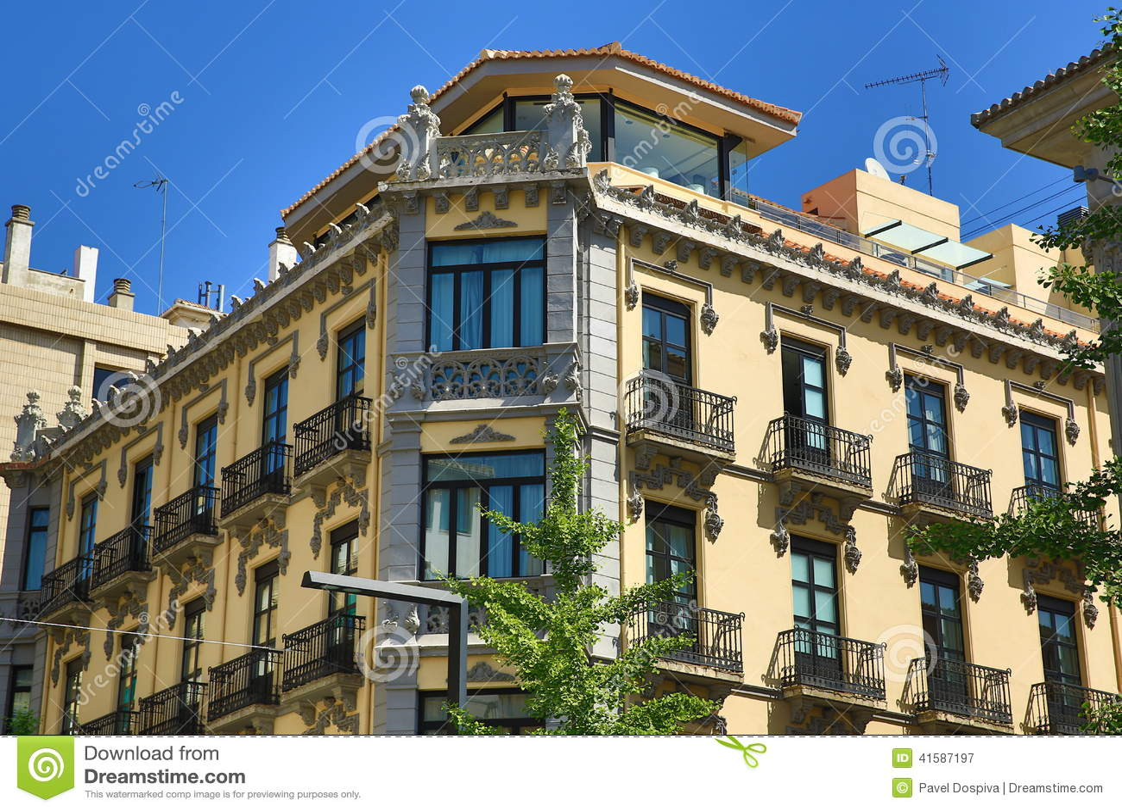 L 39 architettura di vecchie case granada spagna immagine for Case di architettura spagnola