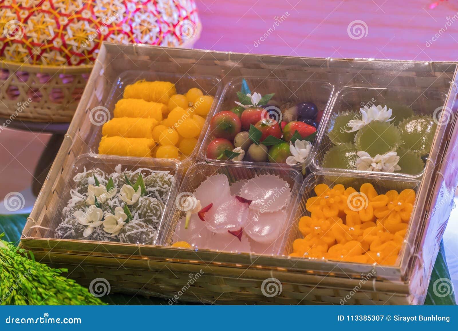L art des desserts thaïlandais ont été passés vers le bas par le gener