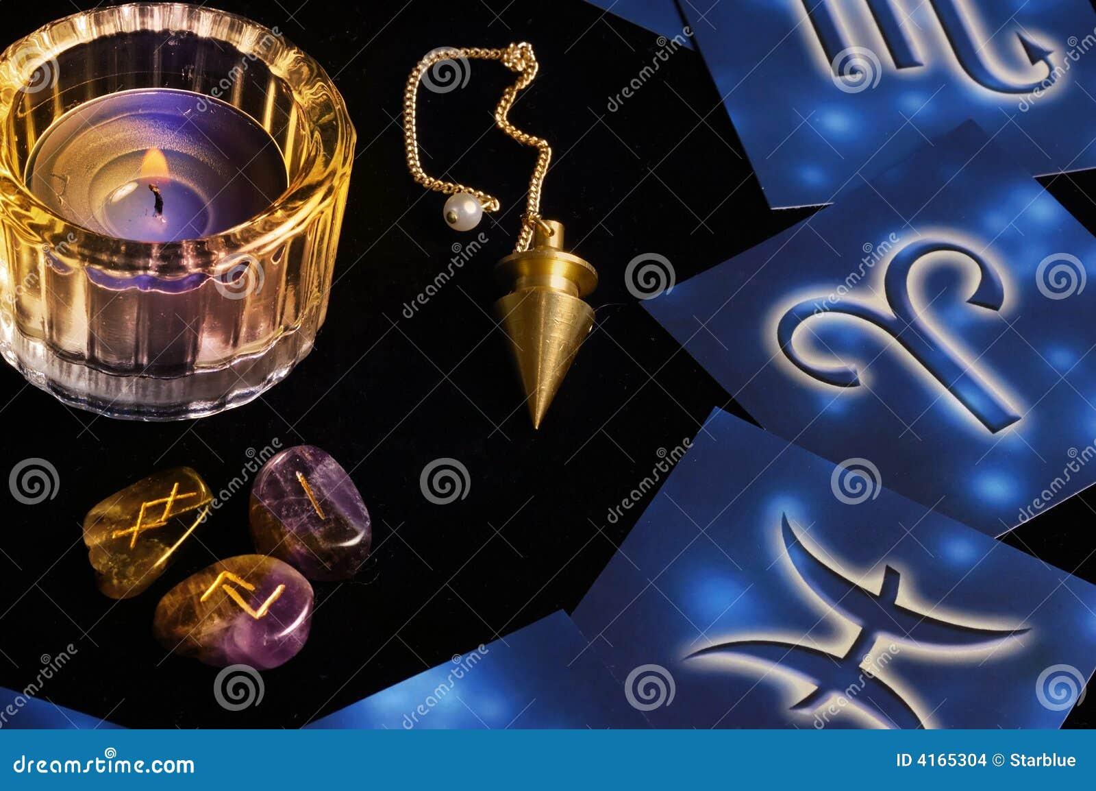 L atmosphère mystique photo stock. Image du fortune, symboles - 4165304 15a309e4a0d