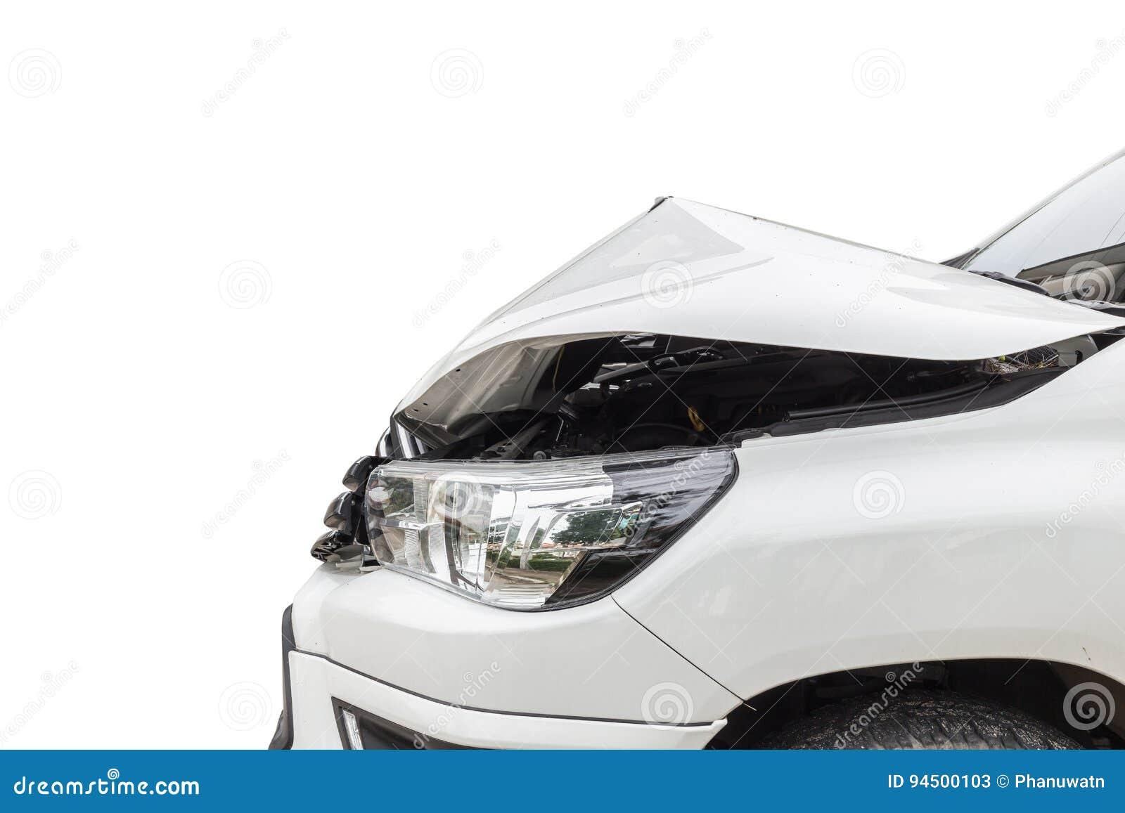L avant de la voiture blanche de collecte obtiennent endommagé accidentellement sur la route I