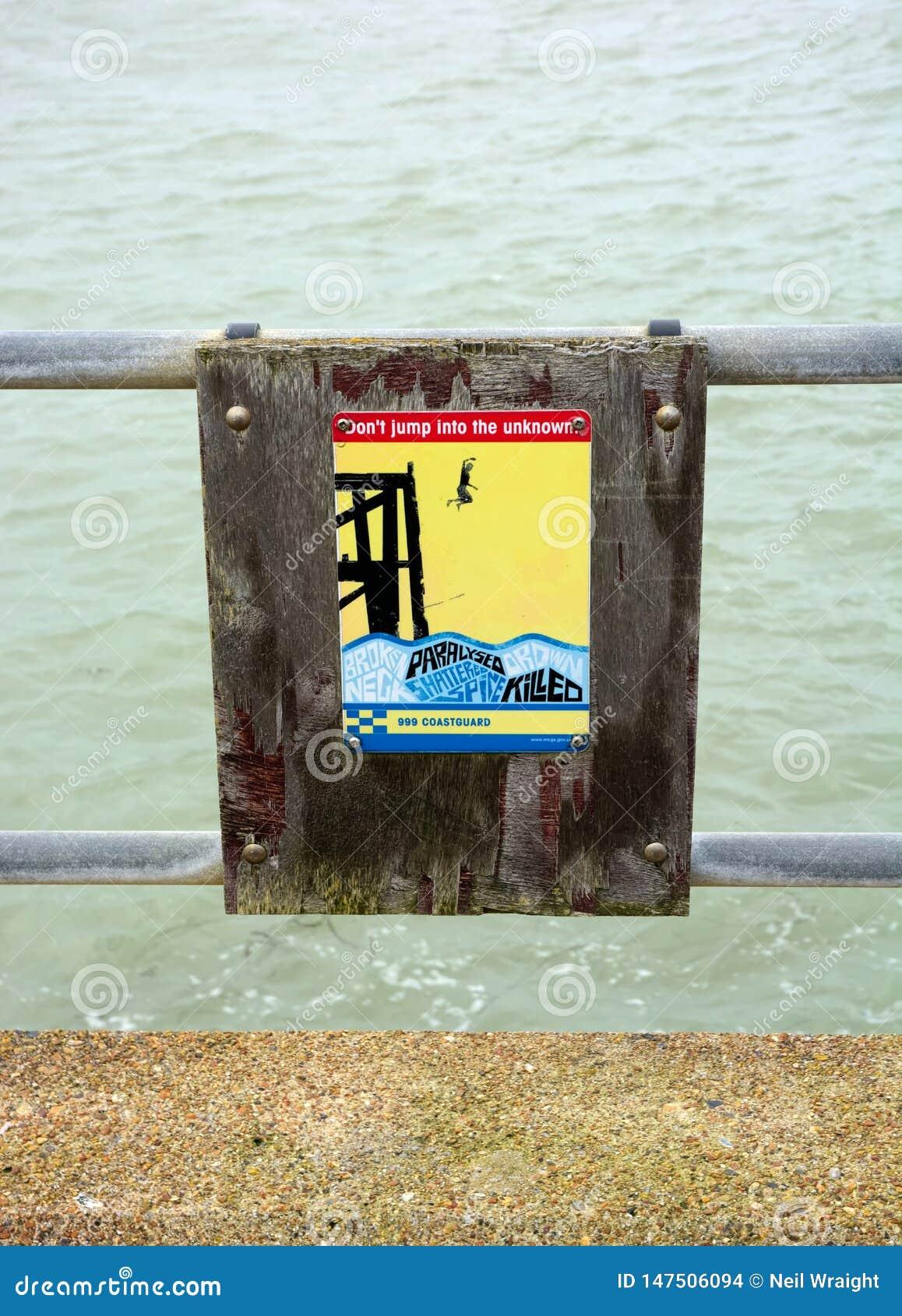 L avertissement se connectent le mur de port
