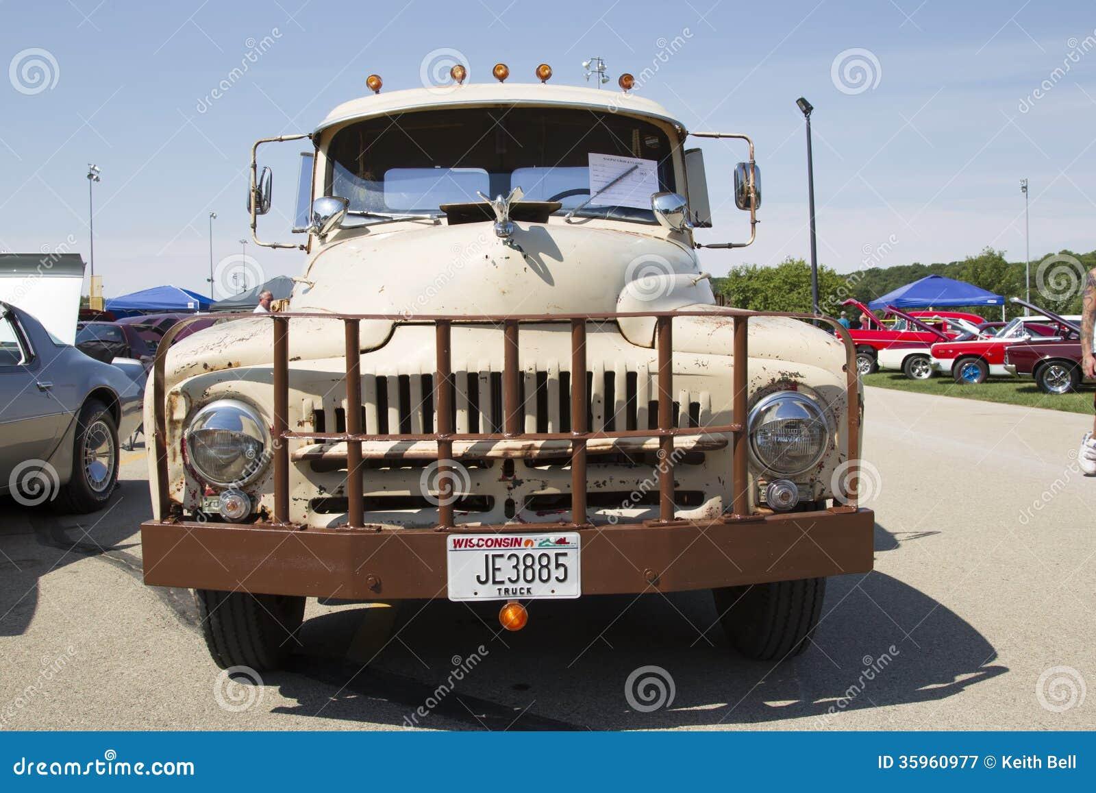 1952 L-120 camión internacional Front View