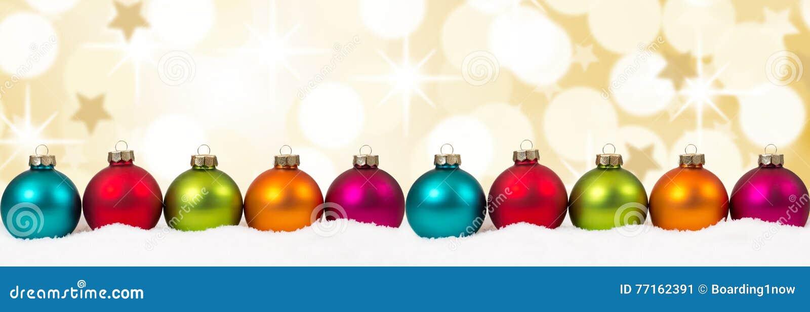 L or d or de Noël tient le premier rôle le CCB coloré de décoration de bannière de boules