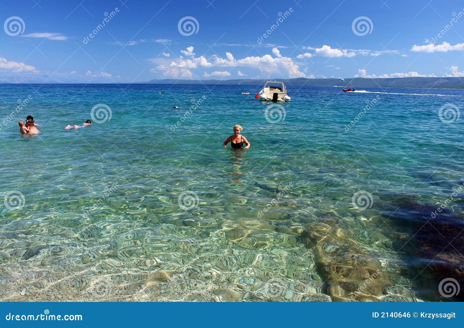L eau claire bleue