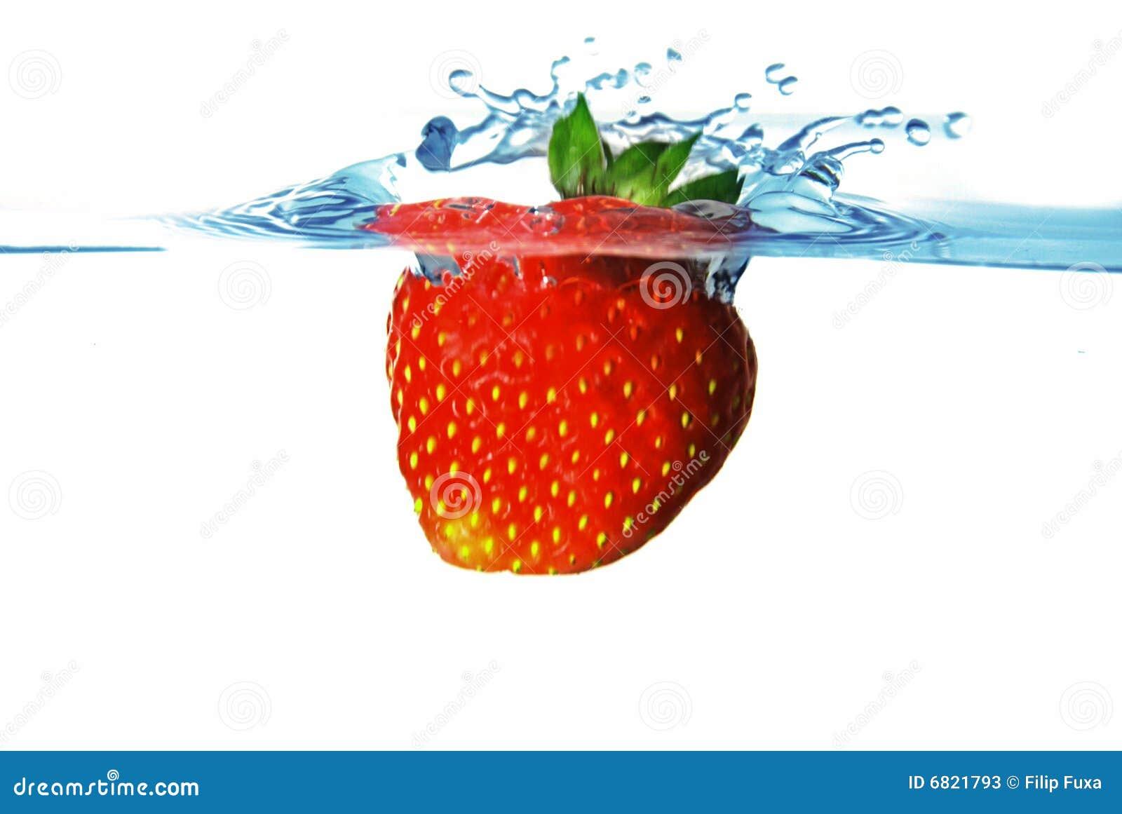 L eau de fraise